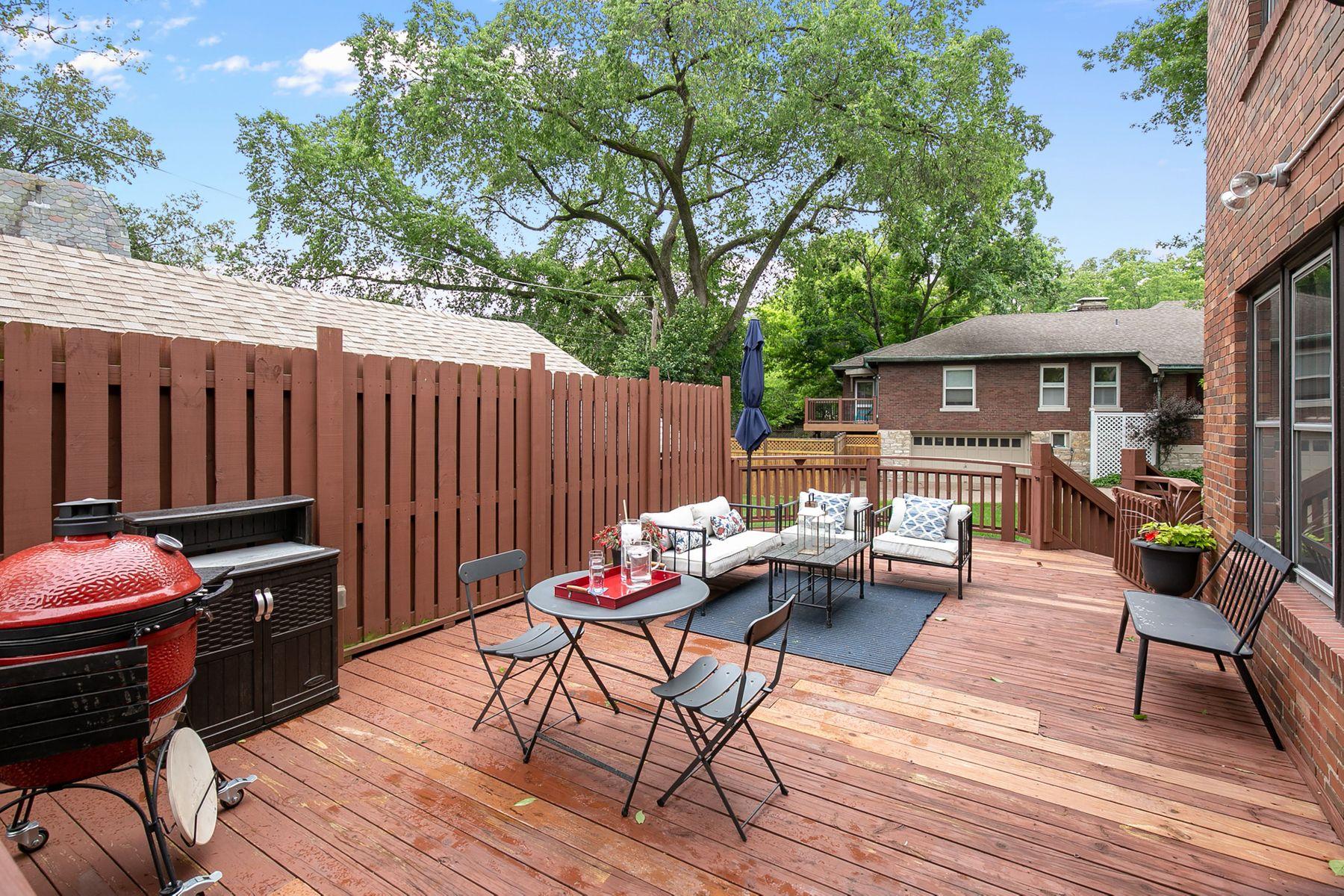 Additional photo for property listing at University City Charmer! 7434 Kingsbury Boulevard University City, Missouri 63130 United States