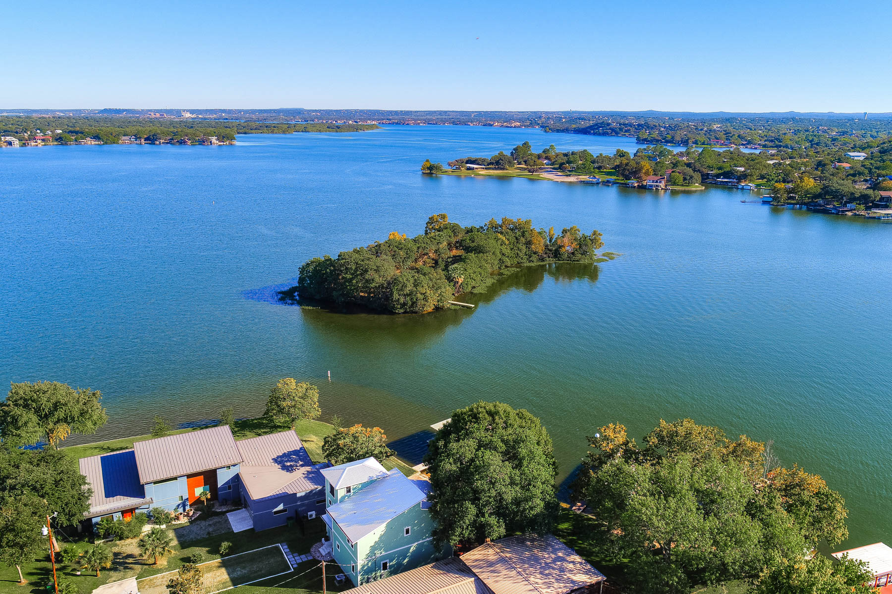 Additional photo for property listing at Life is Short! Buy the Lake House! 218 Lakeview Dr Sunrise Beach, Texas 78643 United States