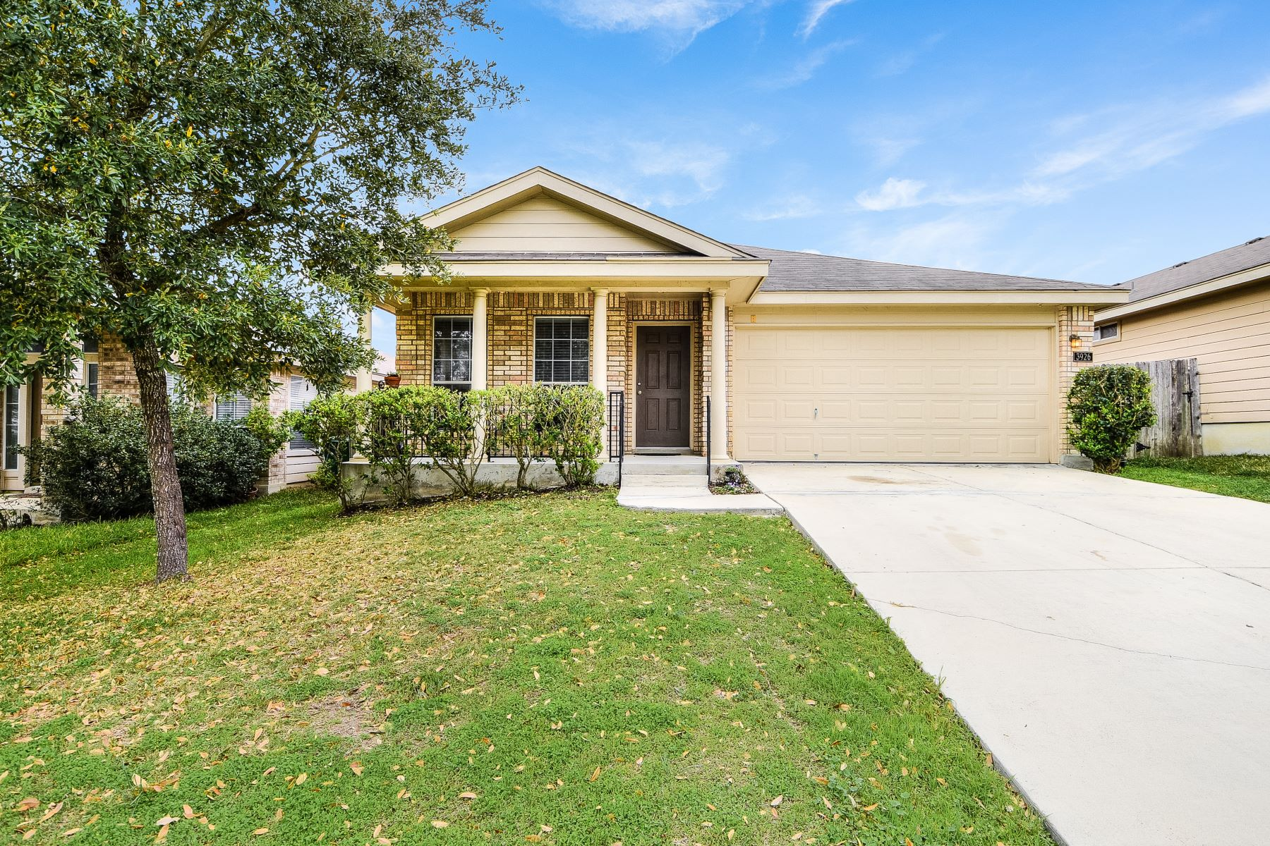 Single Family Home for Sale at Wonderful Home in Monte Viejo 3926 Nuttall Oak Drive, San Antonio, Texas, 78223 United States