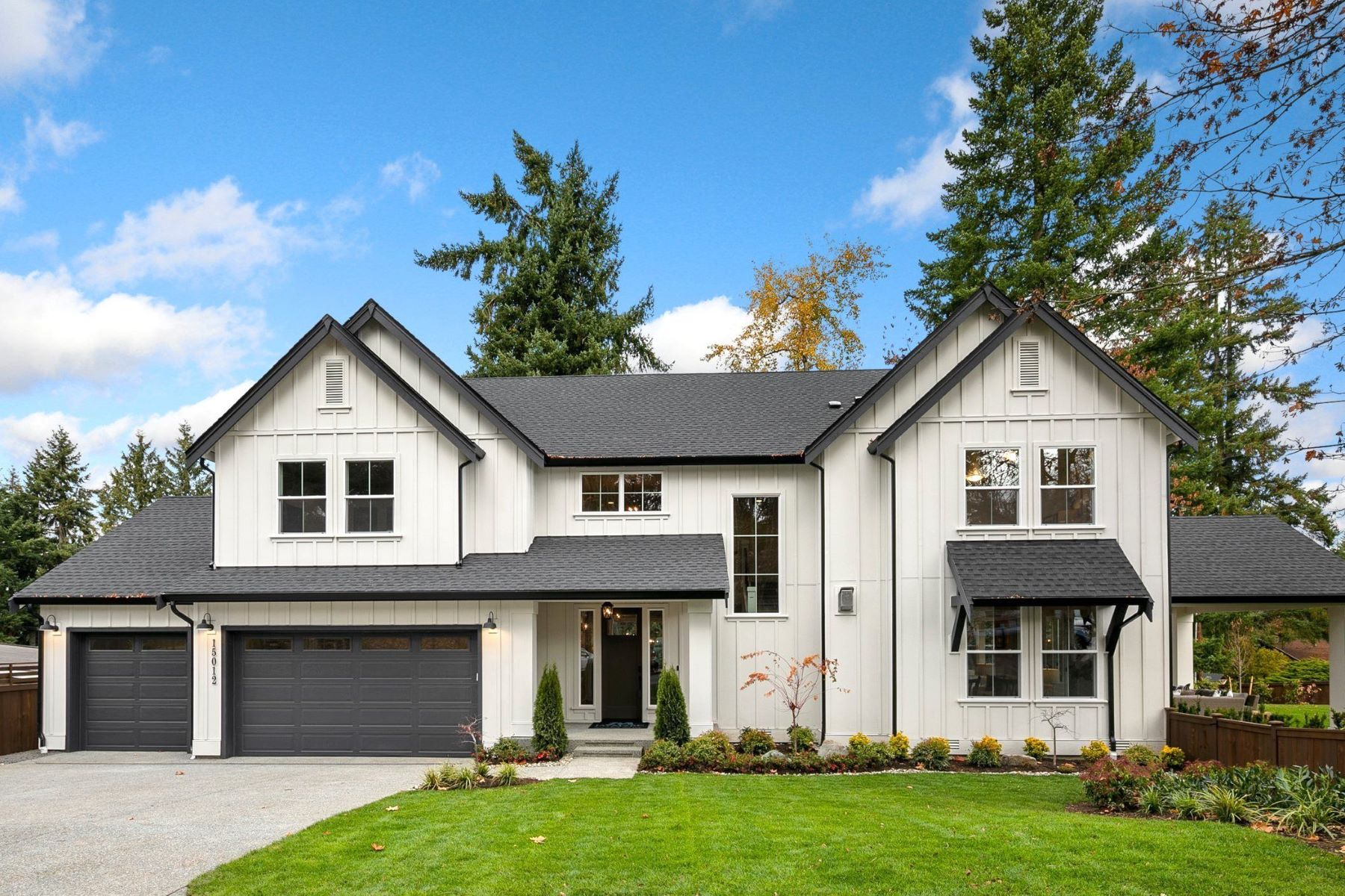 Single Family Homes por un Venta en 15012 SE 45th Place, Bellevue, WA 98006 15012 SE 45th Place Bellevue, Washington 98006 Estados Unidos