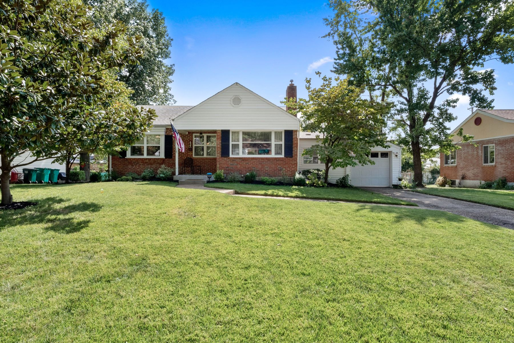 Single Family Homes for Sale at Stylish Ranch In The Webster Groves Community 658 Deerhurst Drive Webster Groves, Missouri 63119 United States