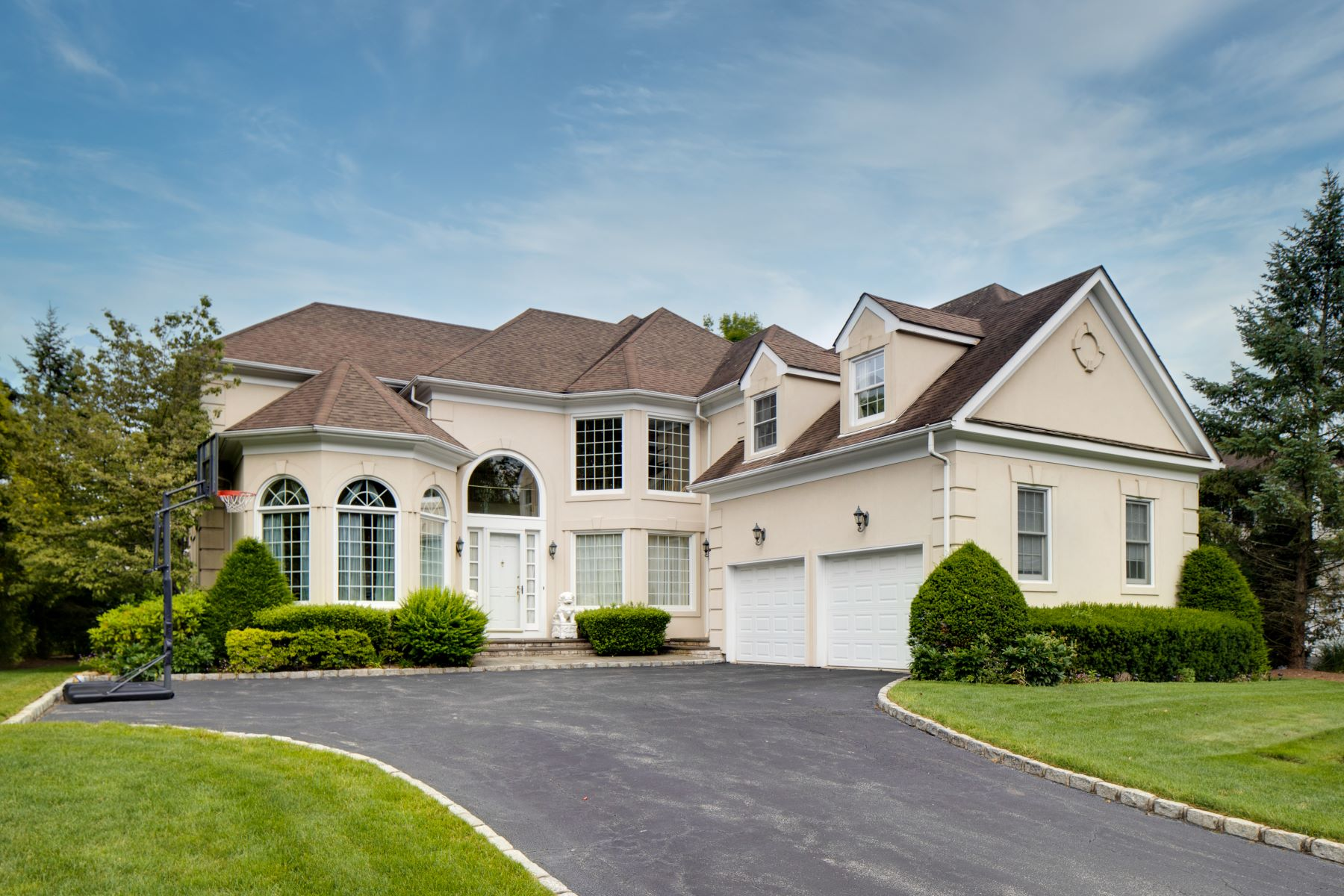 Single Family Homes 為 出售 在 41 Stone Hill Drive, Manhasset, Ny, 11030 Manhasset, 纽约 11030 美國