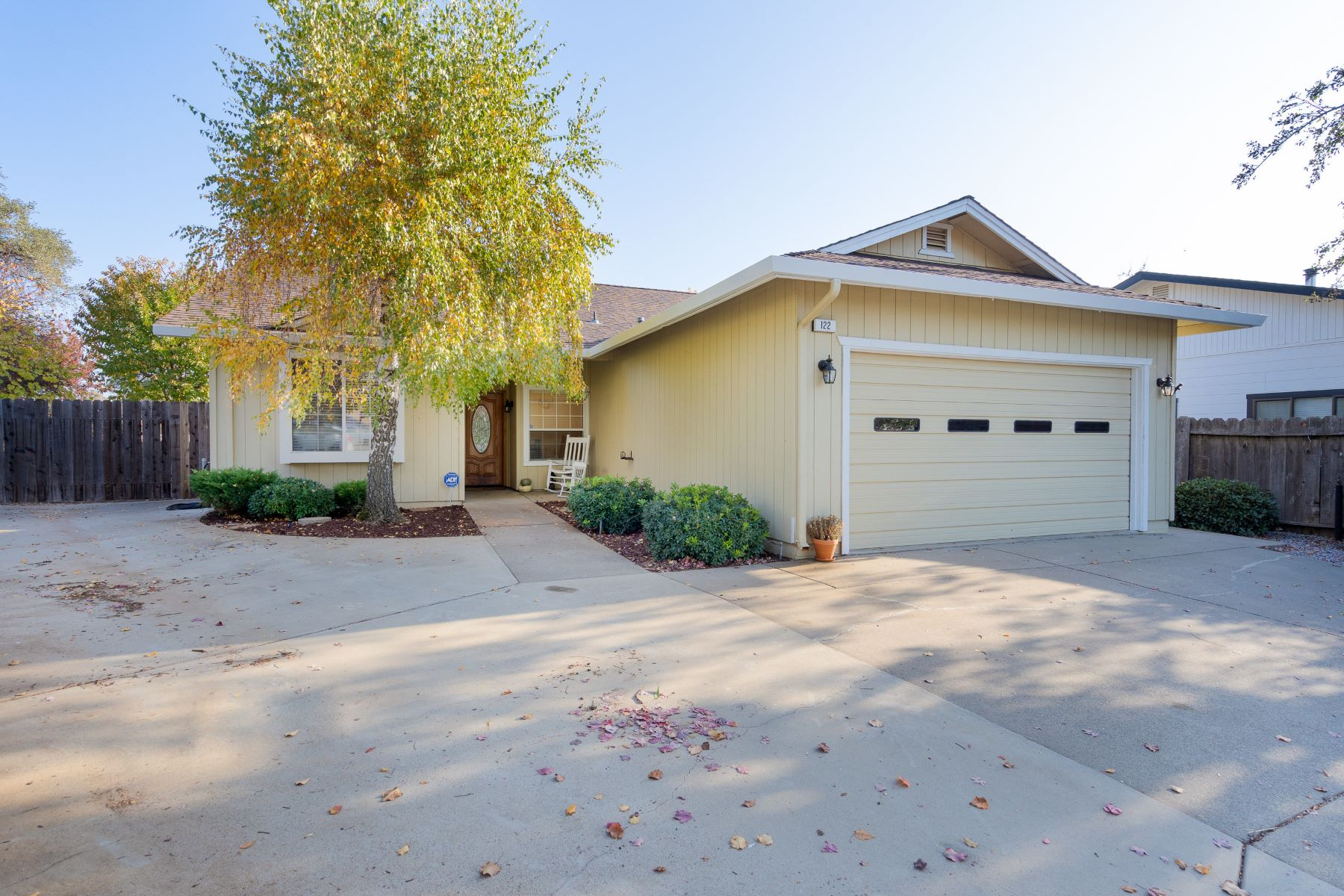 Single Family Homes 为 销售 在 122 Terry Place, Jackson, CA 95642 122 Terry Place Jackson, 加利福尼亚州 95642 美国
