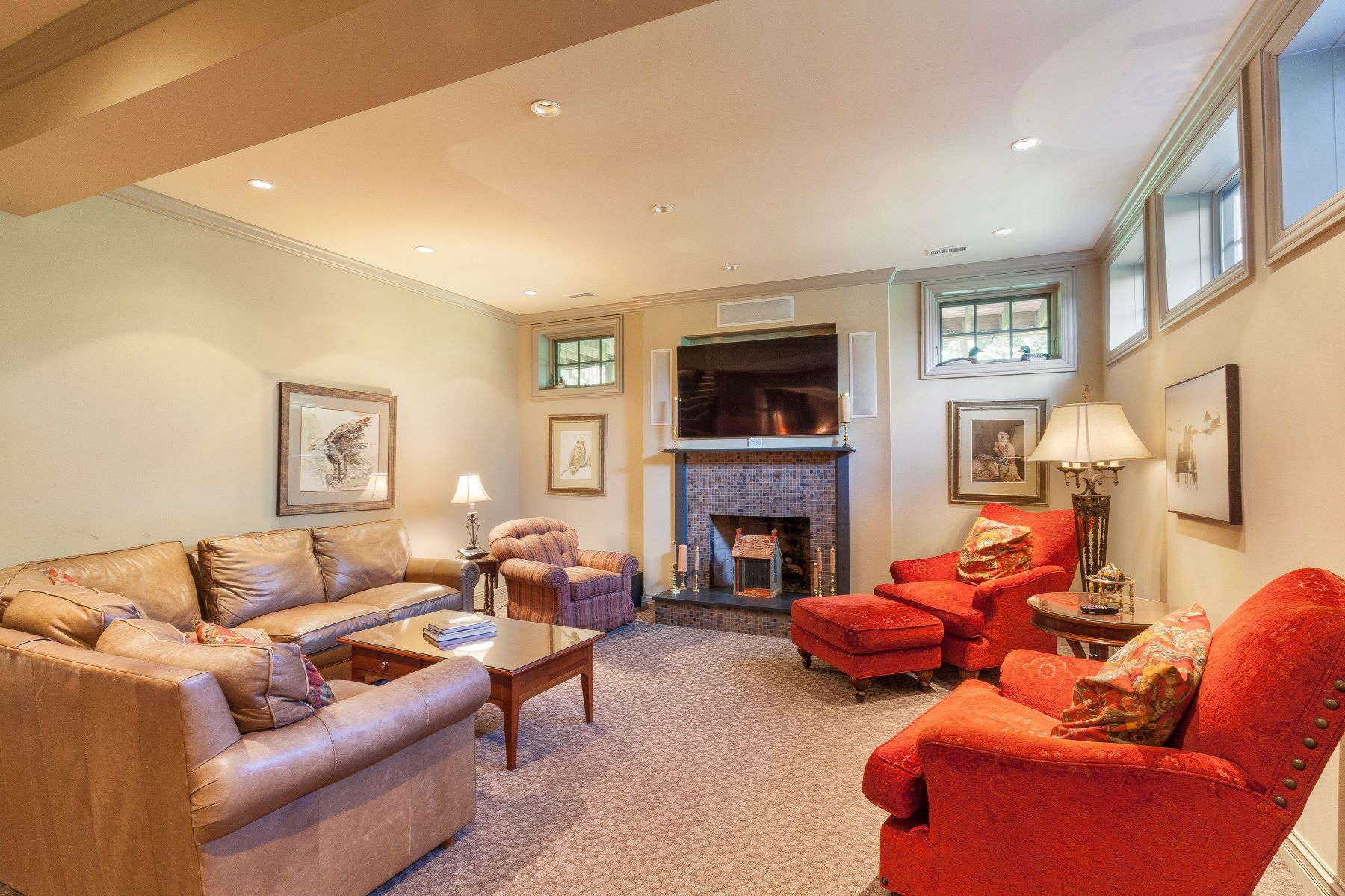 Additional photo for property listing at 25 Deerfield Road Ladue, Missouri 63124 United States