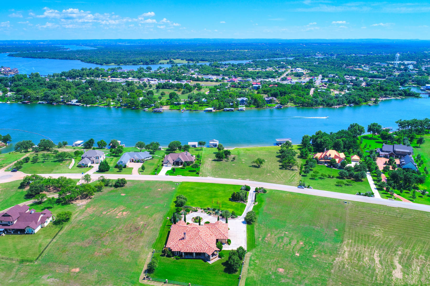 Additional photo for property listing at Luxury Estate with the Best of Lake & Golf Life in the Legends on Lake LBJ 2200 Legends Pkwy Kingsland, Texas 78639 United States
