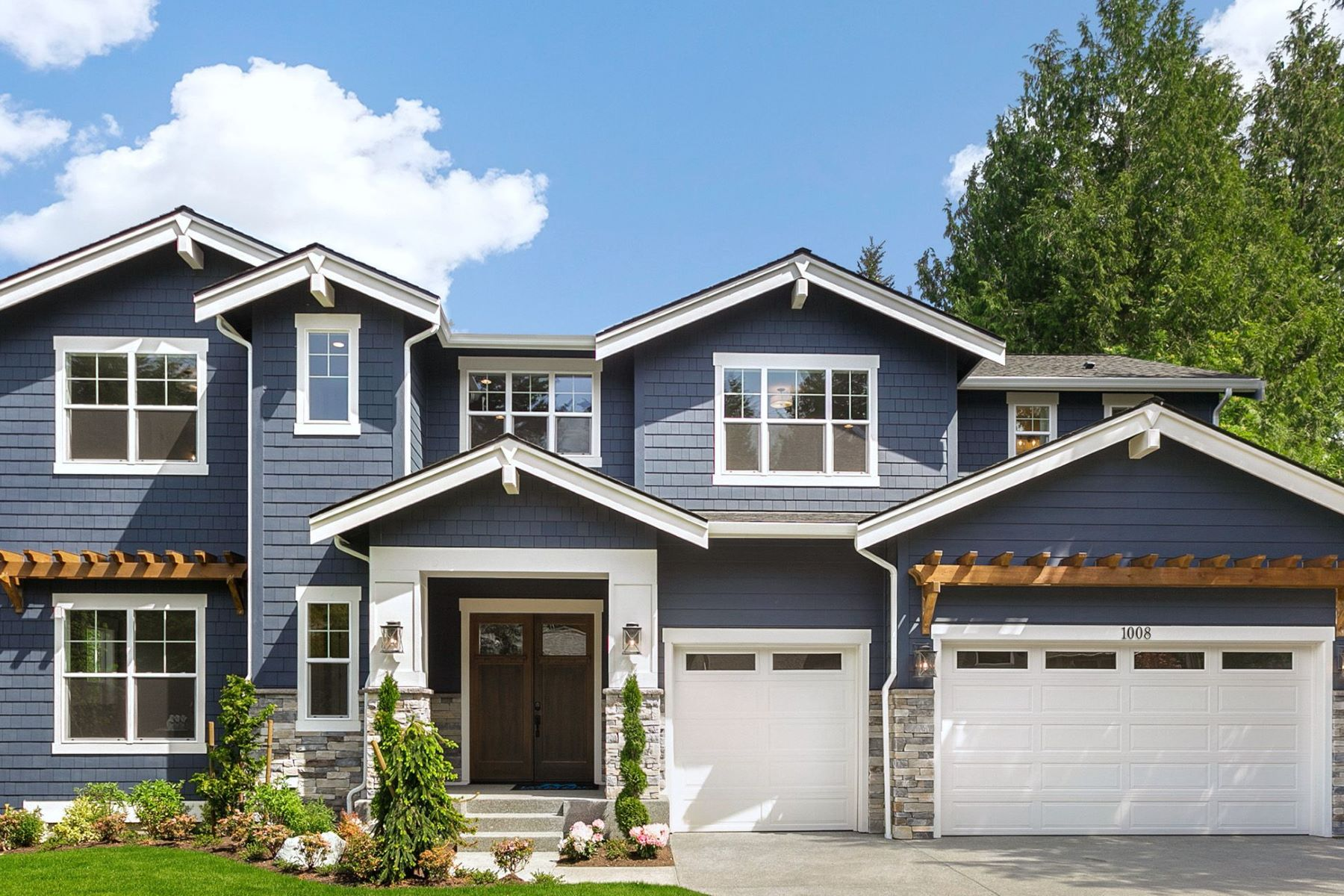 Single Family Homes for Sale at 1008 102nd Place Southeast, Bellevue, WA 98004 1008 102nd Place SE Bellevue, Washington 98004 United States