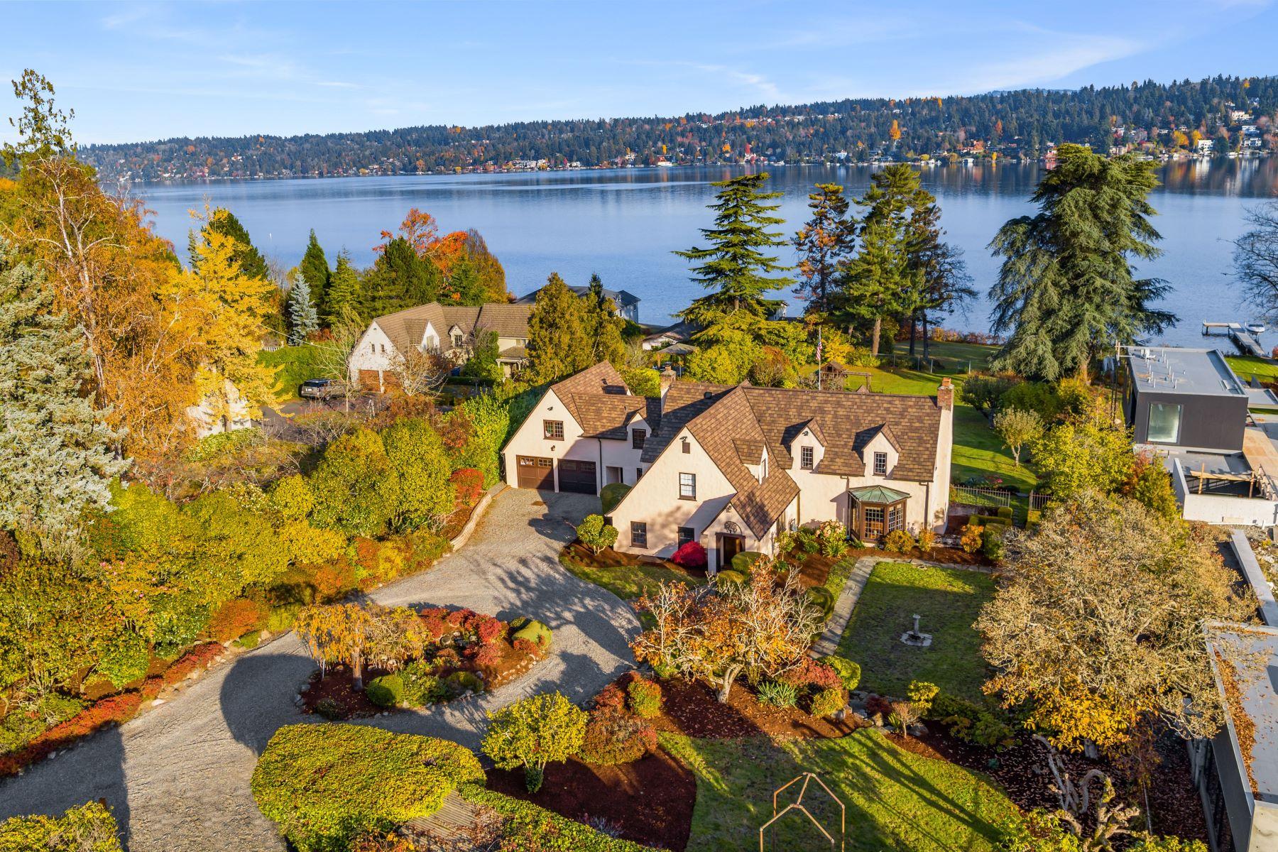 Single Family Homes por un Venta en 7126 55th Ave S, Seattle, WA 98118 7126 55th Ave S Seattle, Washington 98118 Estados Unidos