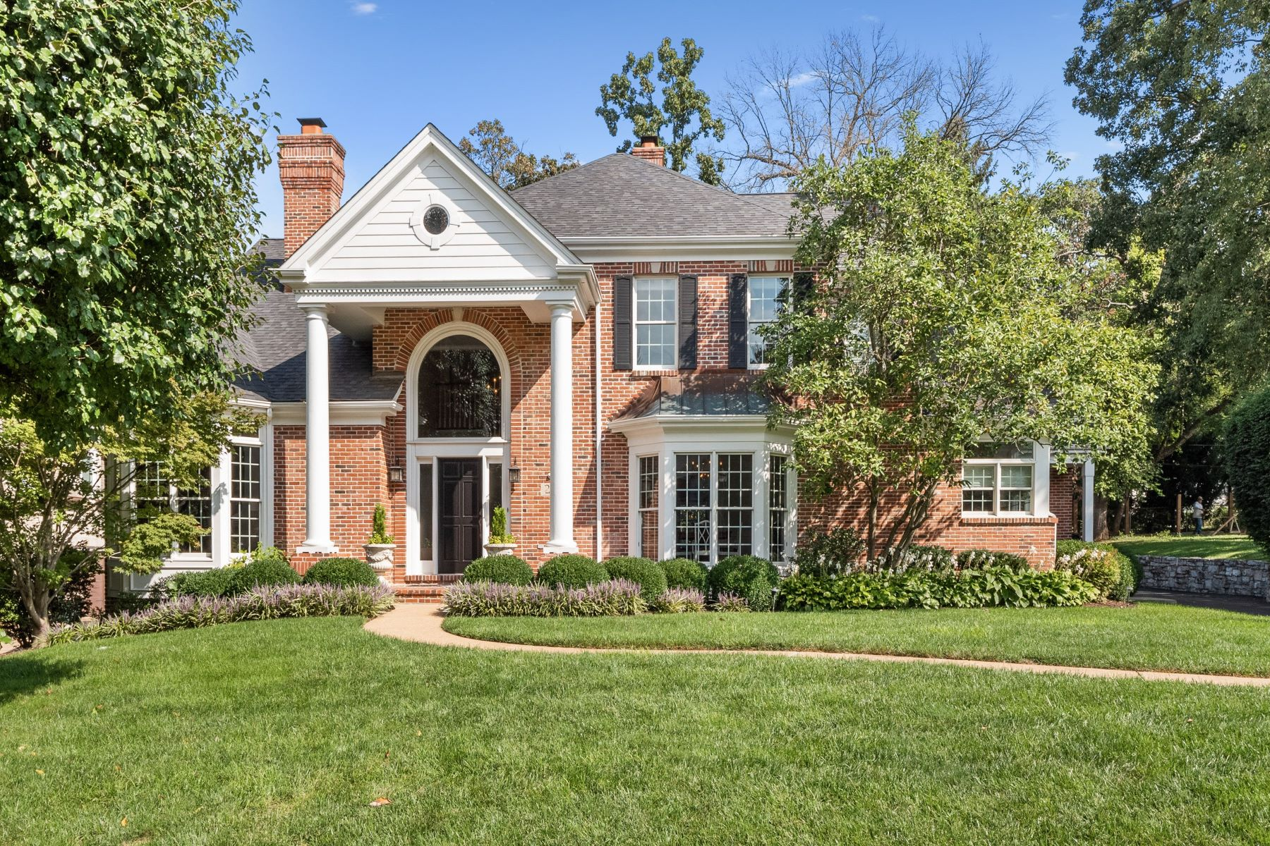 Single Family Homes for Sale at Executive Home in the Heart of Ladue 27 Deer Creek Woods Drive Ladue, Missouri 63124 United States