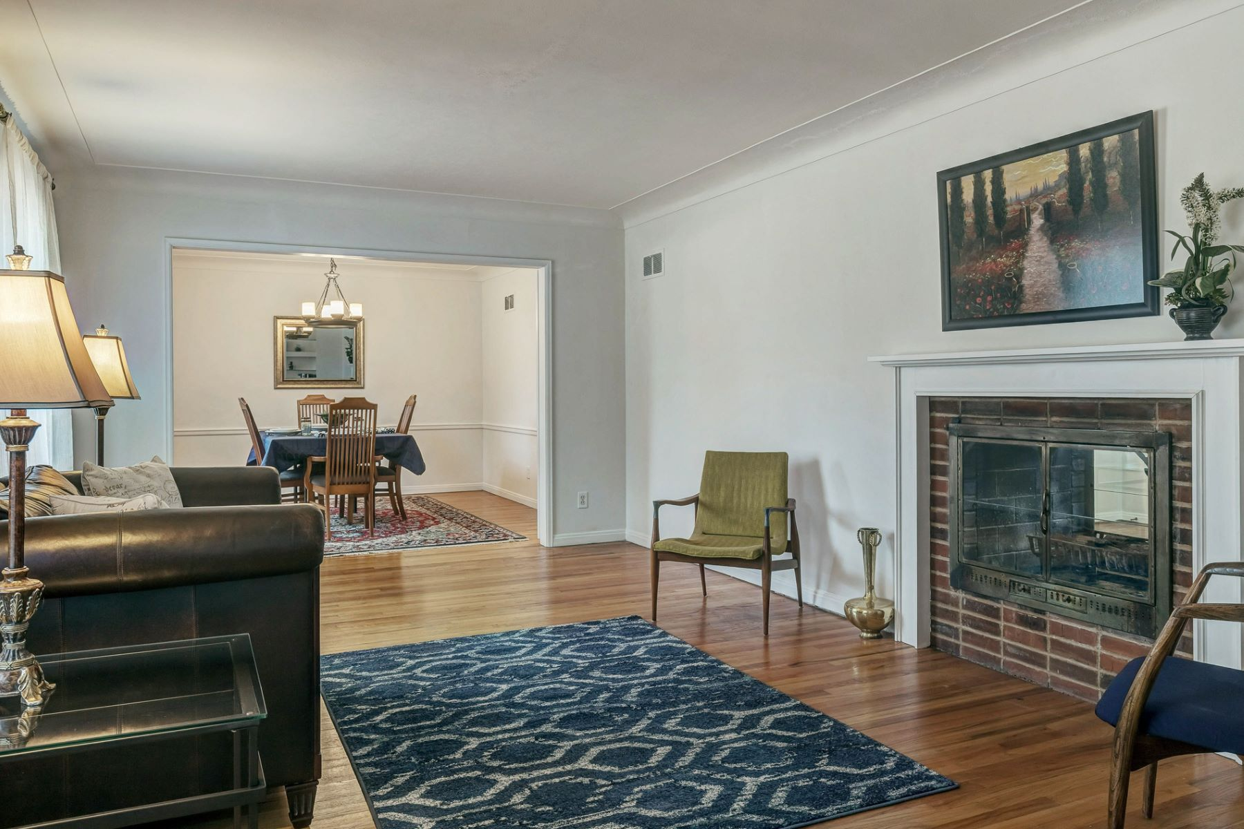 Additional photo for property listing at Mid-Century Split Level in Ladue 1016 Winwood Drive St. Louis, Missouri 63124 United States