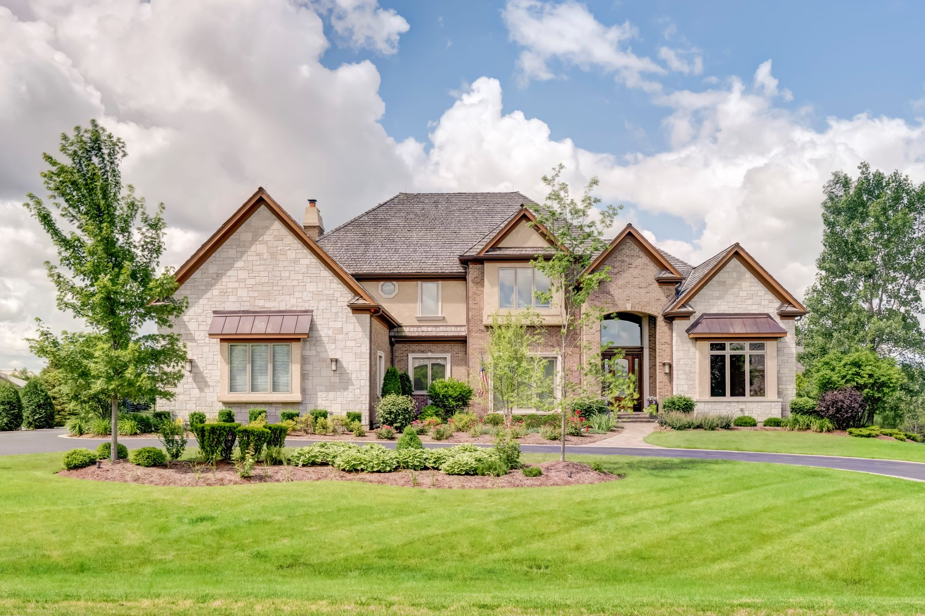 Single Family Home for Sale at Luxurious Custom Retreat 1220 Macalpin Drive Barrington, Illinois 60010 United States