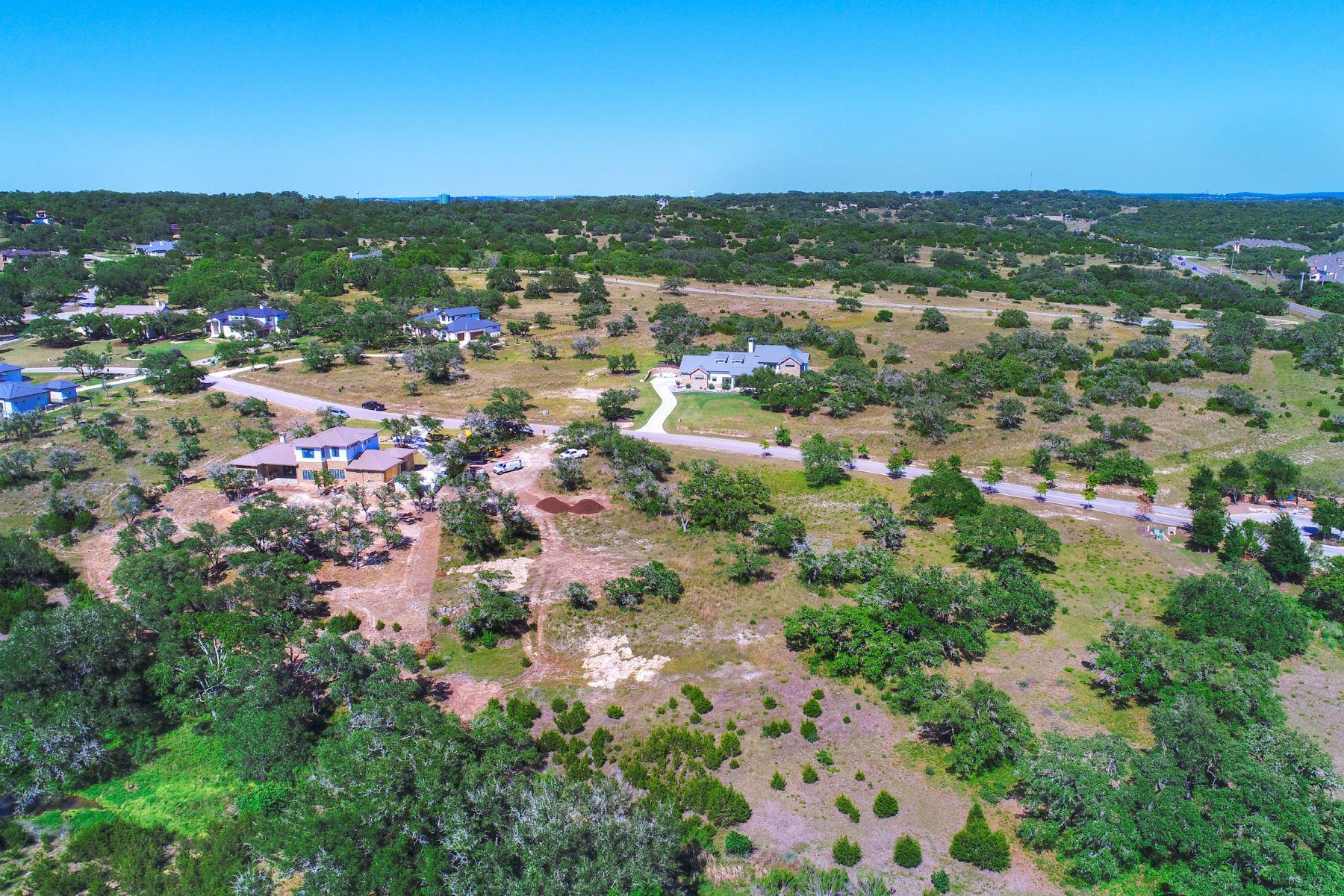 Additional photo for property listing at 8608 Rollins Dr, Austin 8608 Rollins Dr Austin, Texas 78738 Estados Unidos