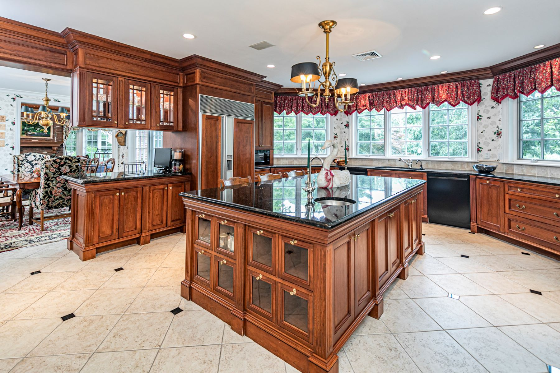 Additional photo for property listing at Private Compound with Every Amenity Imaginable 82 Aunt Molly Road, Hopewell, New Jersey 08525 Förenta staterna