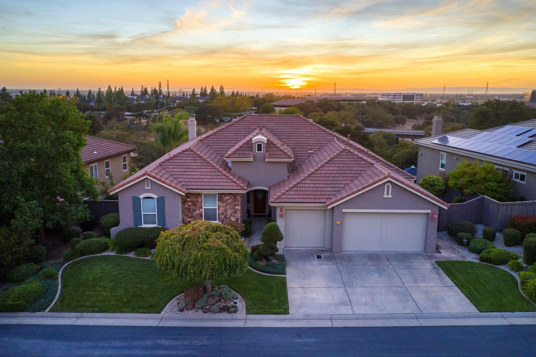 Single Family Homes 为 销售 在 1548 Vista Ridge Way, Roseville, CA 95661 1548 Vista Ridge Way Roseville, 加利福尼亚州 95661 美国