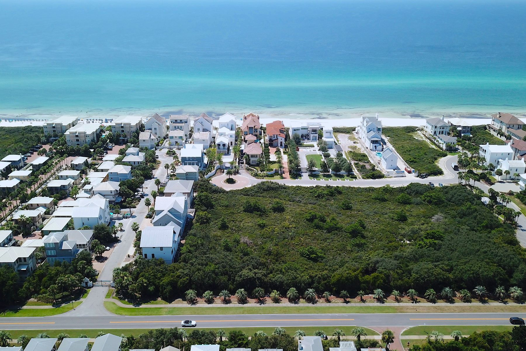 Terreno por un Venta en Second-Row Homesite in Gated Gulf-Front 30A Community Lot 7 Paradise By the Sea Court, Seacrest, Florida 32461 Estados Unidos