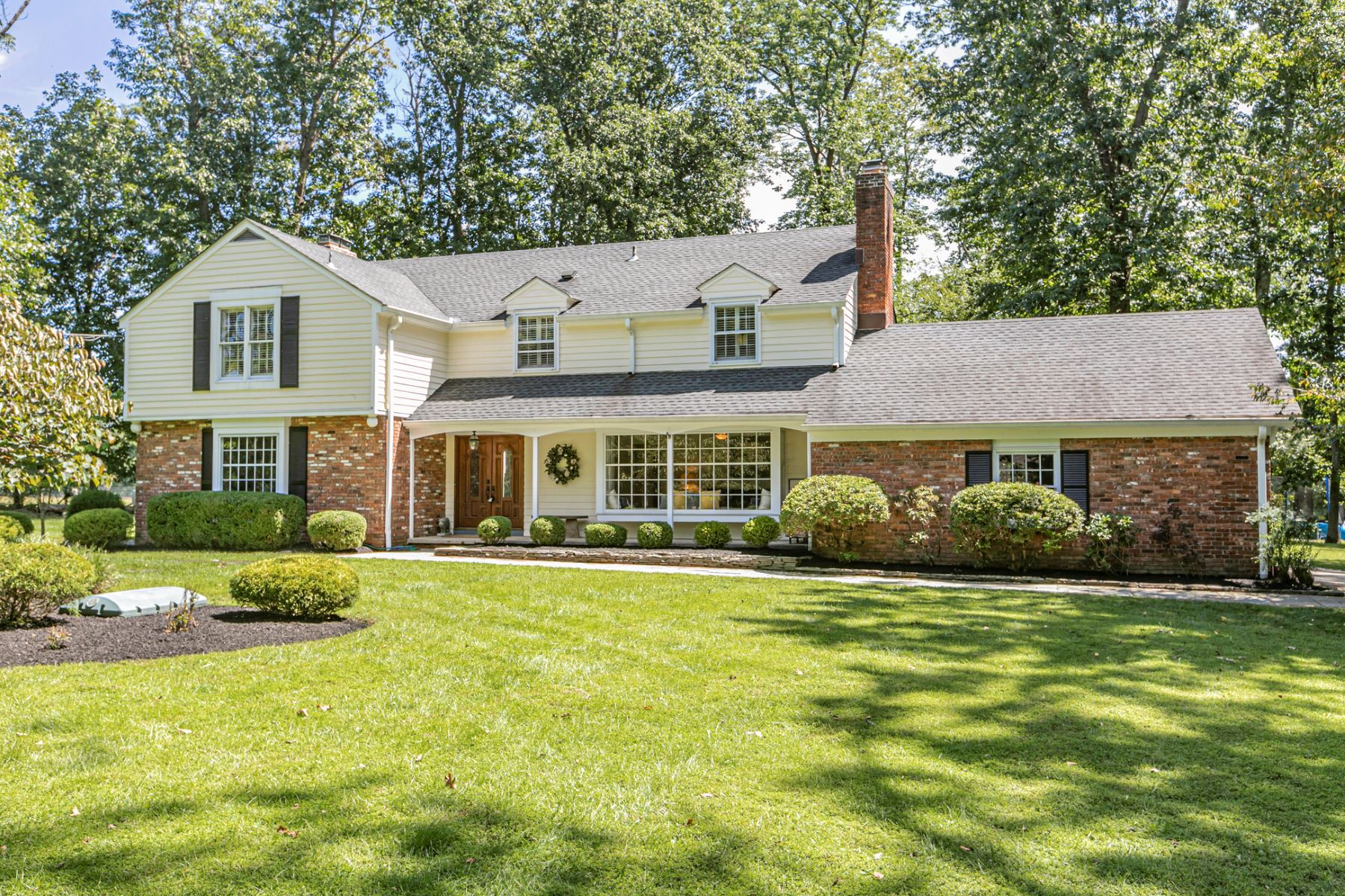 Single Family Homes for Sale at Beautifully Presented Cul-de-Sac Home With Farm Views 7 Beechtree Lane, Princeton, New Jersey 08540 United States