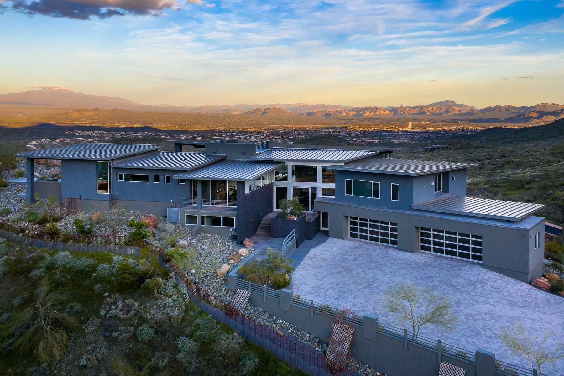 Single Family Homes 为 销售 在 Eagles Nest 13950 E BIGHORN PKWY Fountain Hills, 亚利桑那州 85268 美国