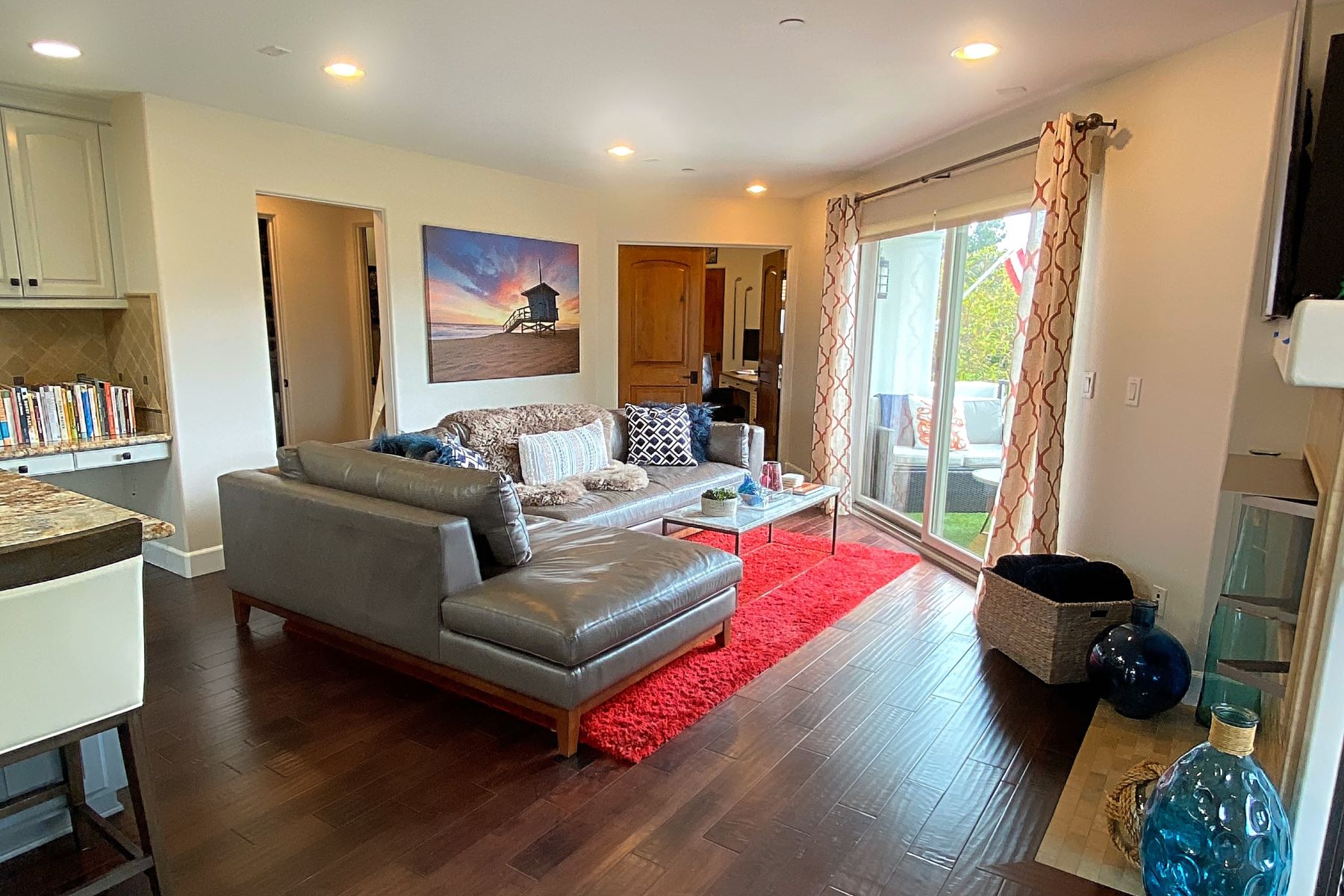 Property for Sale at 1126 Laurel Avenue, Manhattan Beach, CA 90266 Manhattan Beach, California 90266 United States