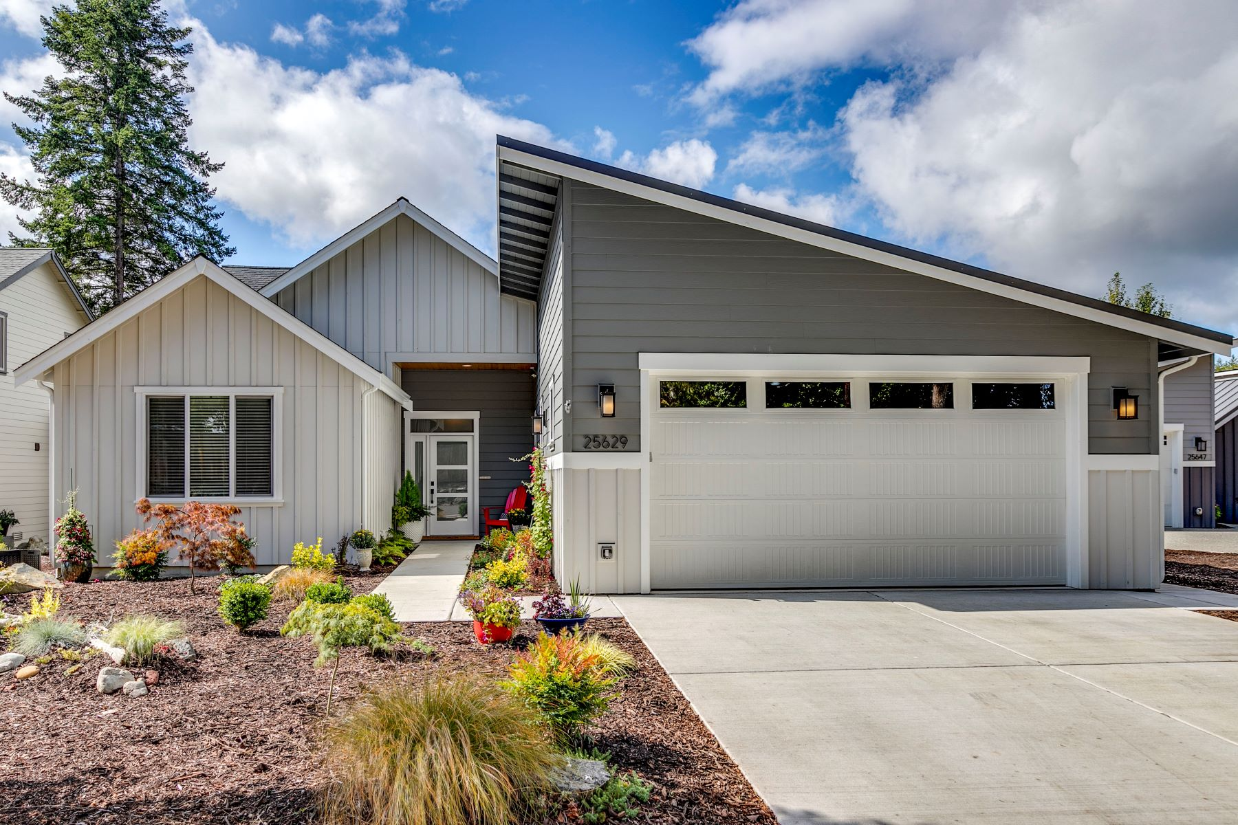 Single Family Homes por un Venta en 25629 Seabrook Place NE, Kingston, WA 98346 25629 Seabrook Place NE Kingston, Washington 98346 Estados Unidos