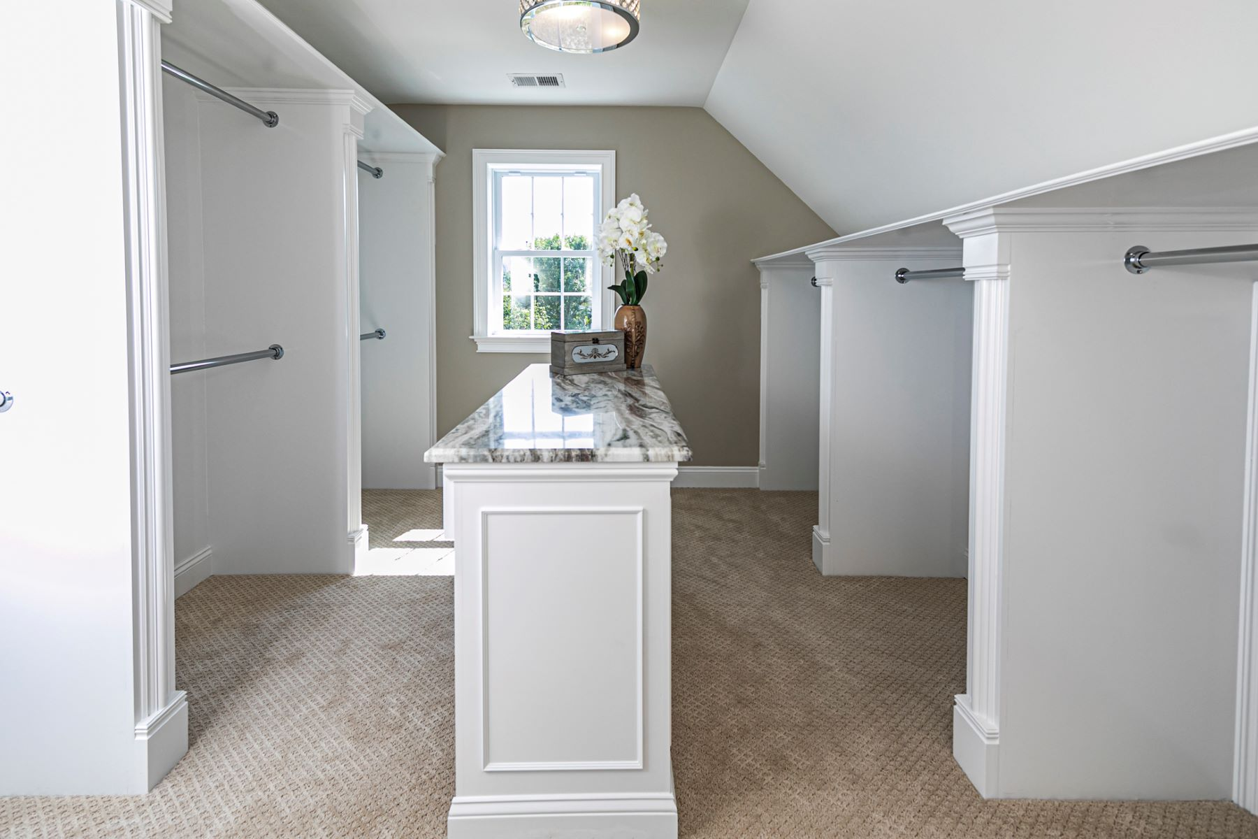 Additional photo for property listing at Newly Constructed Home In A Pristine Neighborhood 28 Meadow Lark Lane, Belle Mead, New Jersey 08502 United States