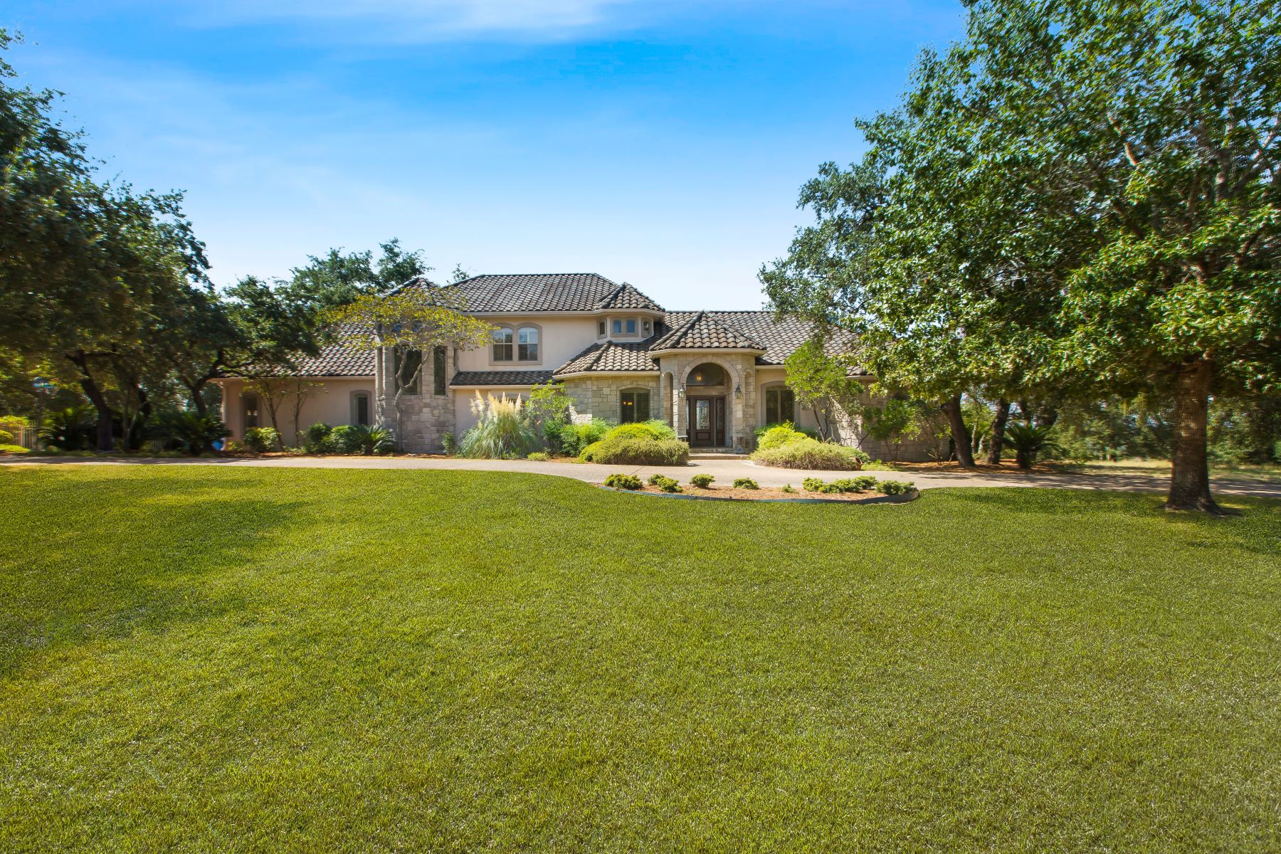 Single Family Homes for Sale at Superior Estate Nestled within Fair Oaks Ranch 8306 Paddock Lane Fair Oaks Ranch, Texas 78015 United States