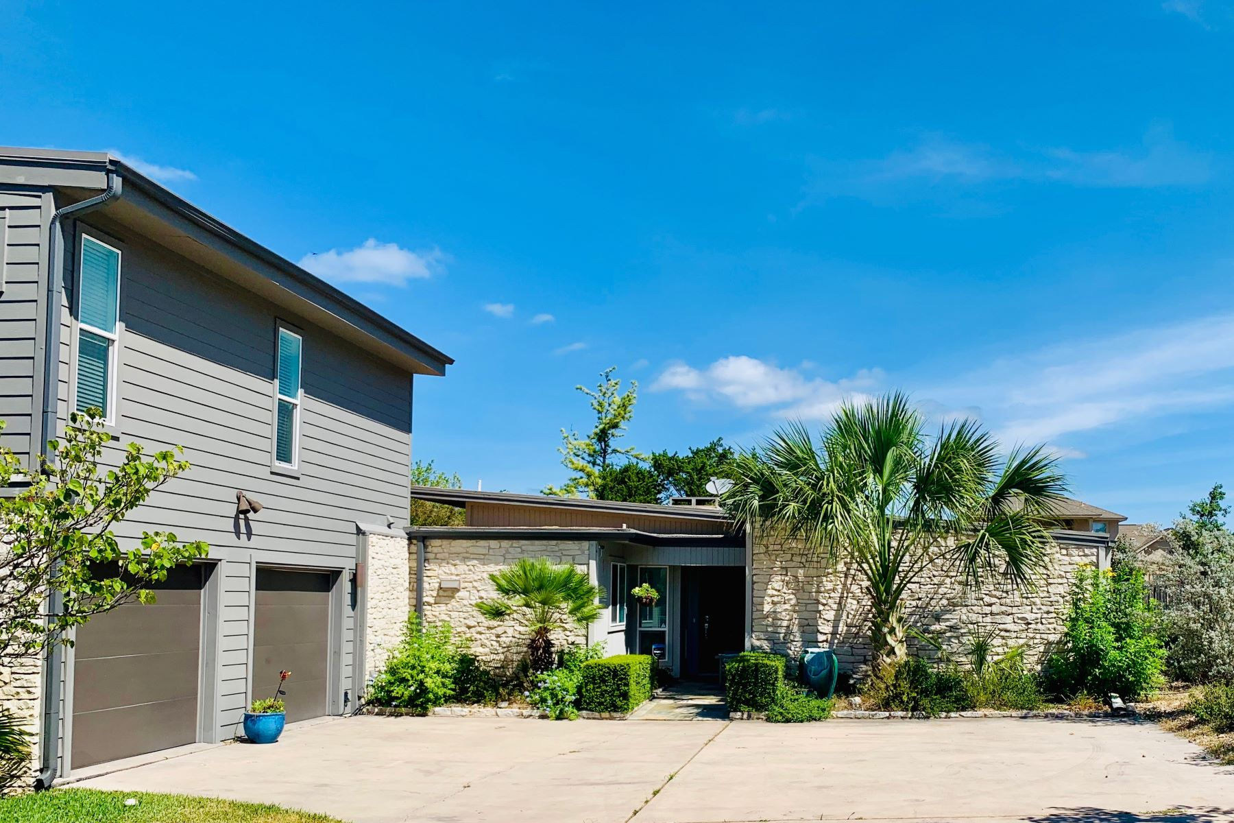 Single Family Homes for Sale at 103 Scamper Cove, Lakeway, TX 78734 103 Scamper Cove Lakeway, Texas 78734 United States