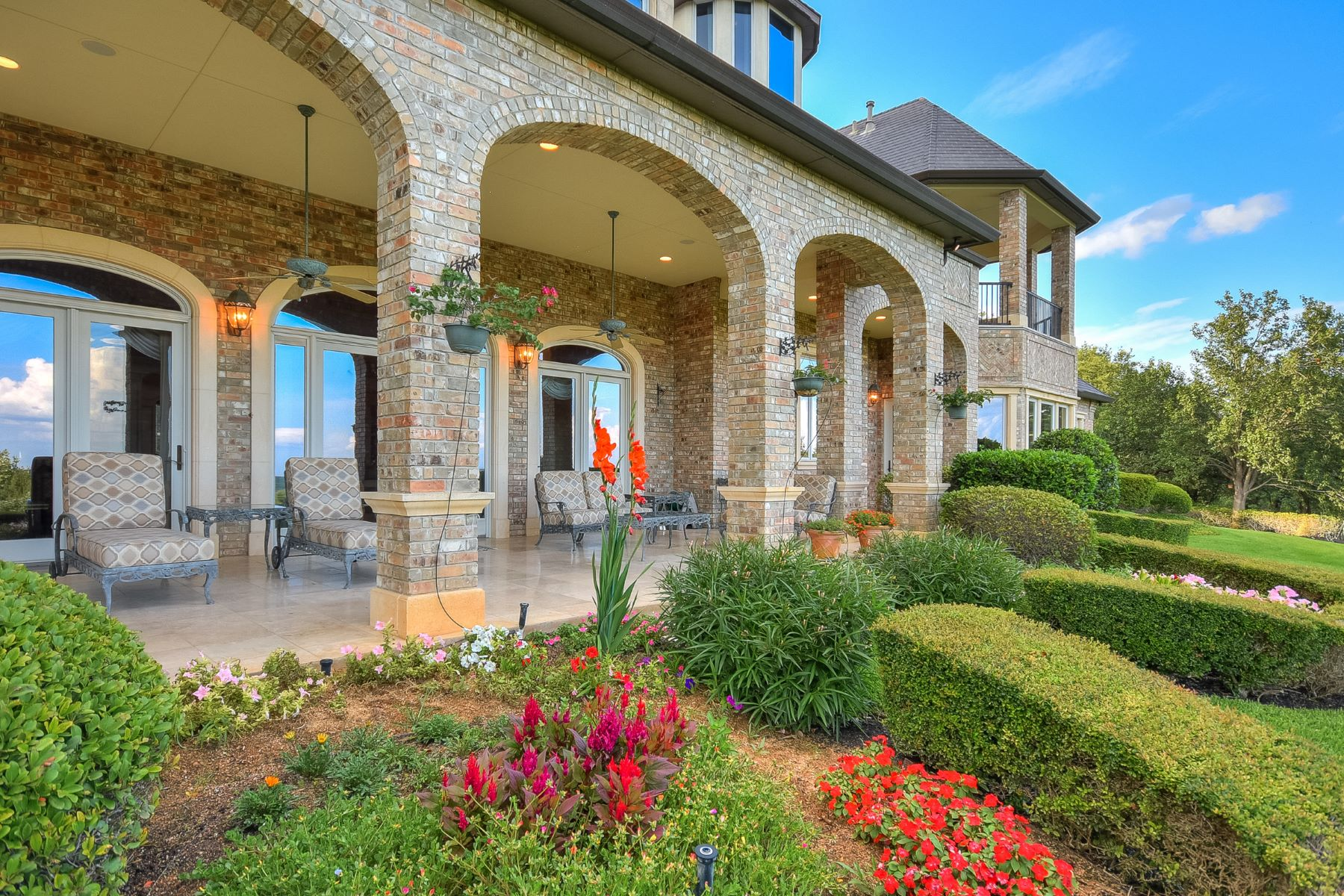 Additional photo for property listing at The Milburn Estate 4620 Toreador Dr Austin, Texas 78746 United States