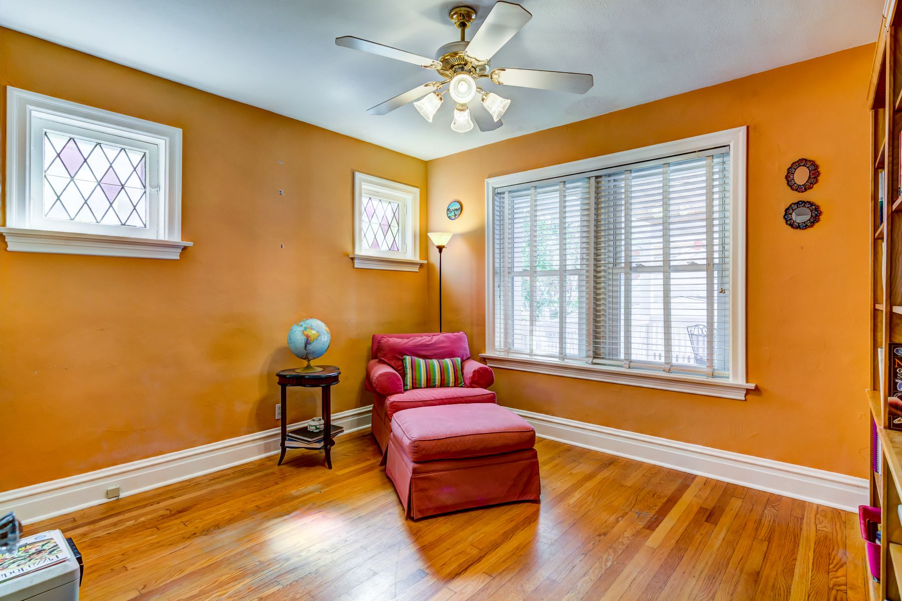 Additional photo for property listing at Lindenwood Park Charmer 6320 Mardel Avenue St. Louis, Missouri 63109 United States