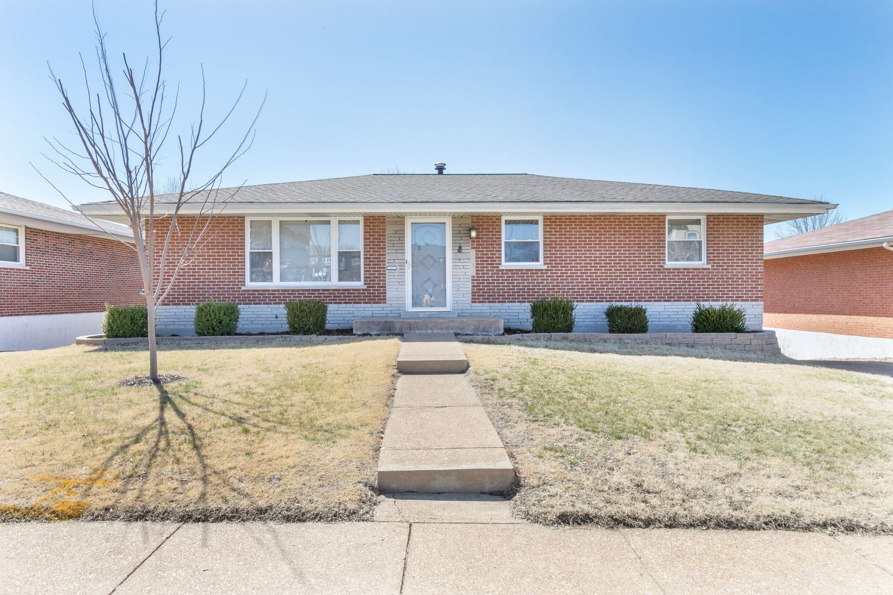 Single Family Home for Sale at 3832 Robert Avenue, St. Louis, MO 63116 3832 Robert Avenue St. Louis, Missouri 63116 United States