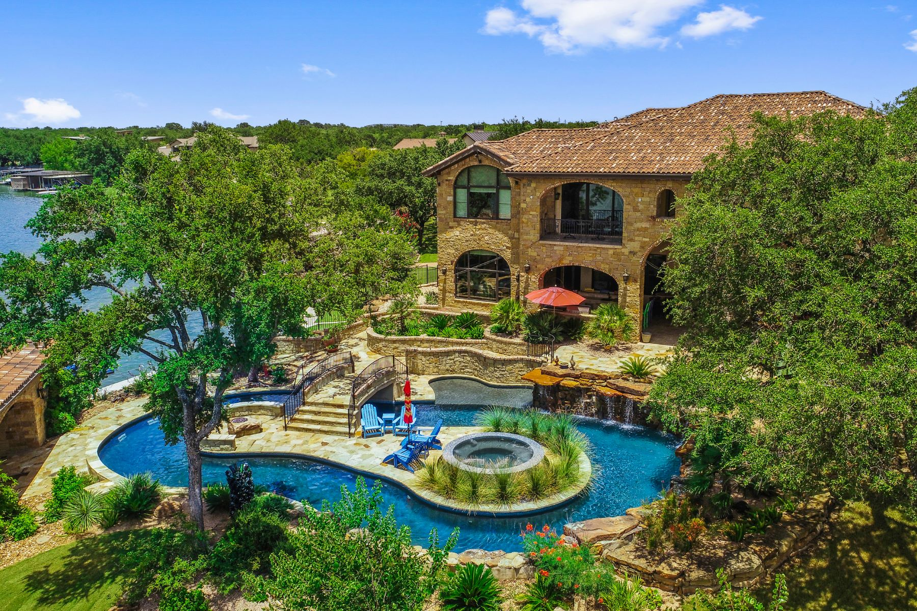 Single Family Homes for Active at The Ultimate Lake LBJ Retreat 113 Wilderness Drive East on Lake LBJ Marble Falls, Texas 78654 United States