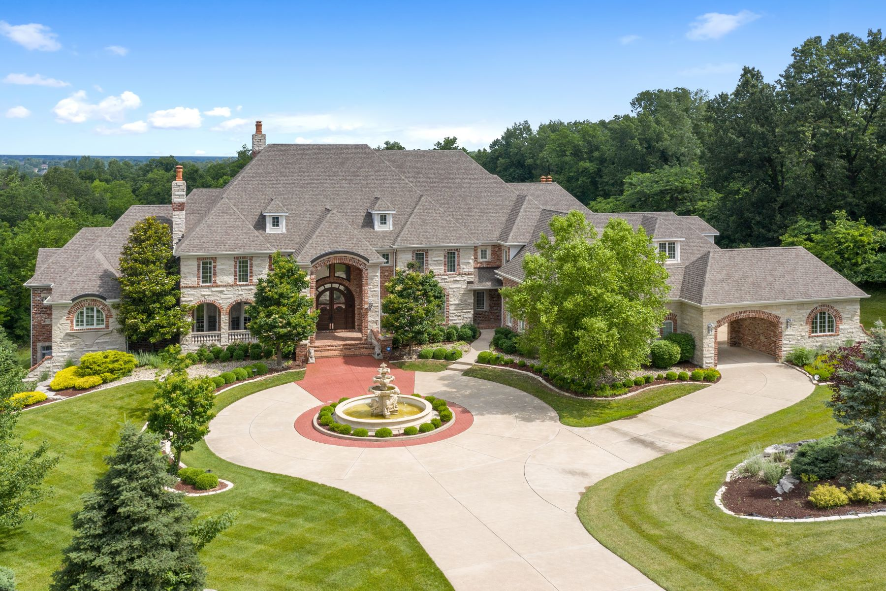 Single Family Homes for Active at Stunning Sophisticated Upper Whitmoor Estate 11 Upper Whitmoor Drive Weldon Spring, Missouri 63304 United States