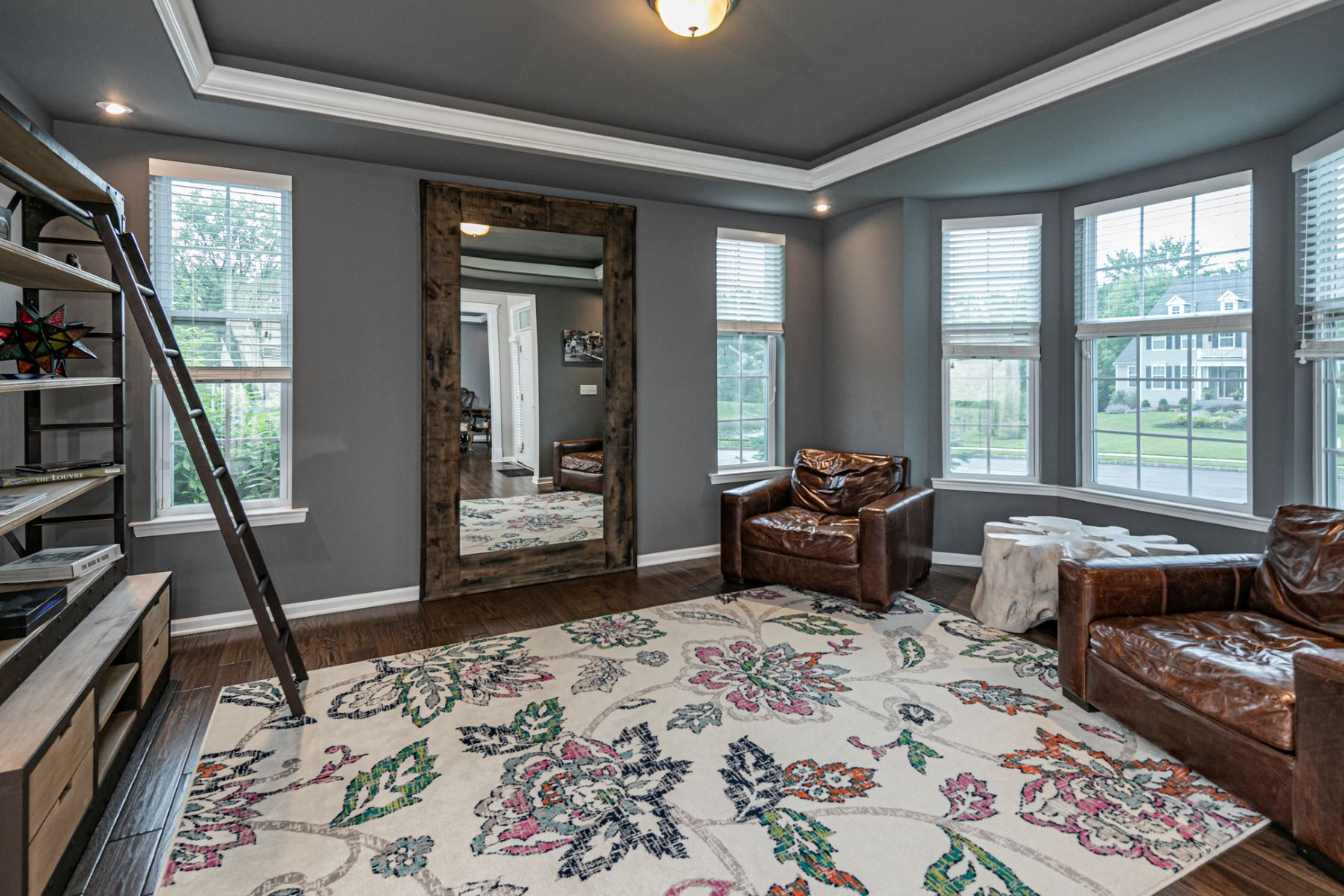 Additional photo for property listing at Designer Home In A Super-Convenient Location 9 Bramble Drive, Pennington, New Jersey 08534 United States