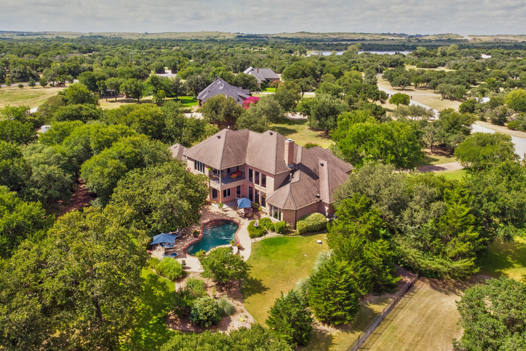 Single Family Homes for Sale at 2 Acres in Aledo ISD 108 Bridle Wood Court Aledo, Texas 76008 United States
