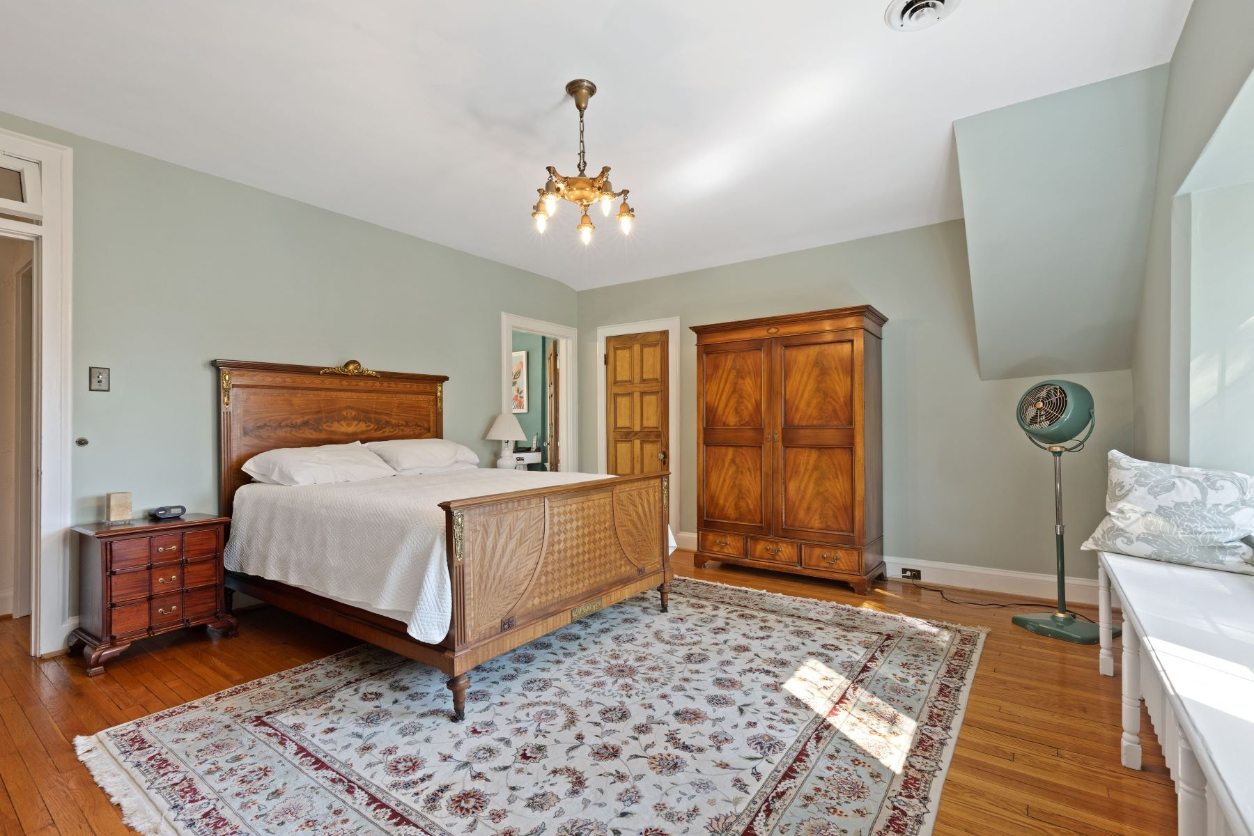 Additional photo for property listing at Charming Tudor. Exceptional Location. 7269 Greenway Avenue University City, Missouri 63130 United States