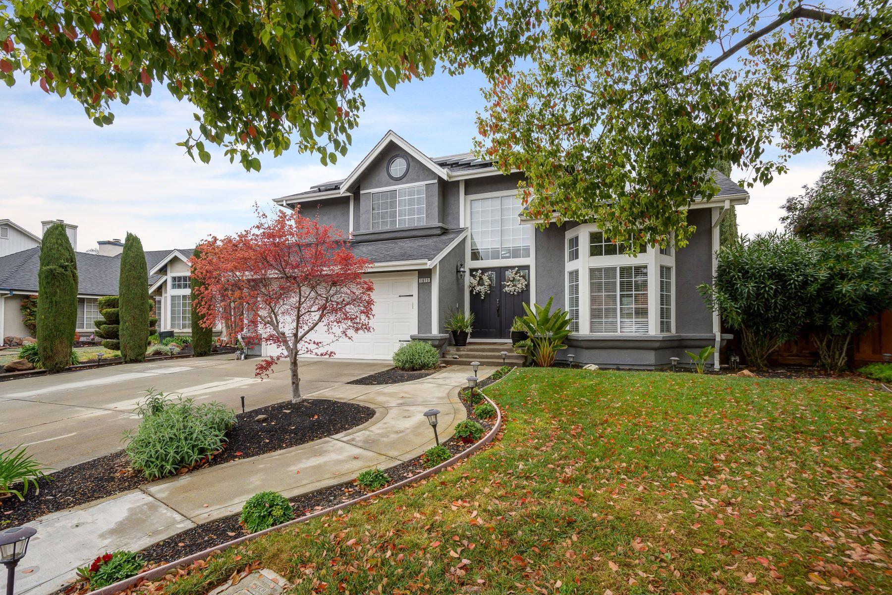 Single Family Homes para Venda às 1673 Placer Circle, Livermore, CA 94551 Livermore, Califórnia 94551 Estados Unidos