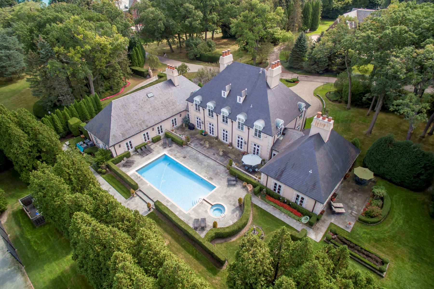 Single Family Home for Active at East Lake Forest Value 417 N Mayflower Road Lake Forest, Illinois 60045 United States