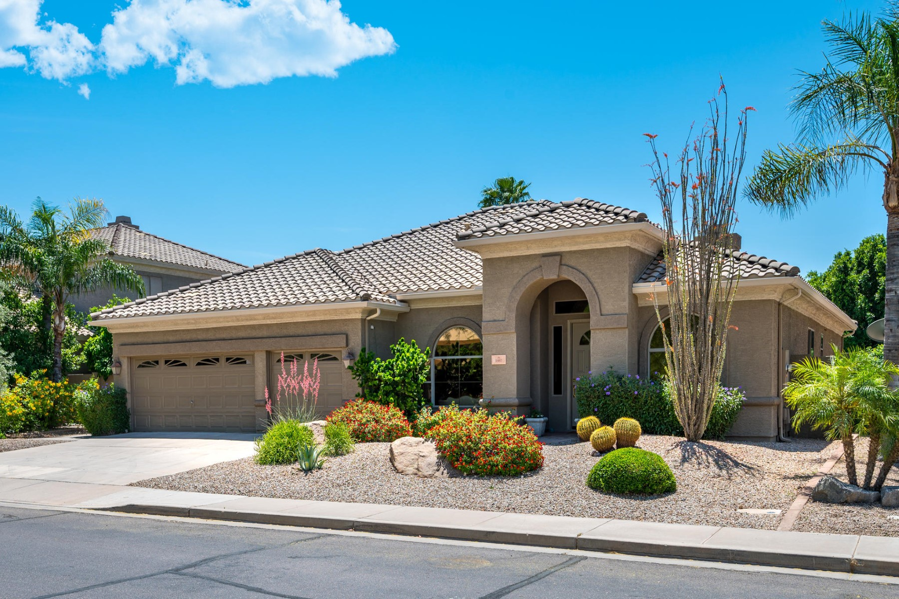 Single Family Homes για την Πώληση στο Silverstone Ranch 1467 E RAWHIDE AVE, Gilbert, Αριζονα 85296 Ηνωμένες Πολιτείες