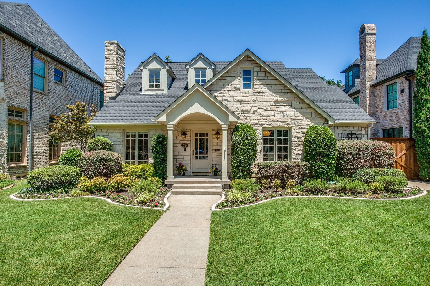 Single Family Homes for Sale at 4324 Bryn Mawr Drive University Park, Texas 75225 United States