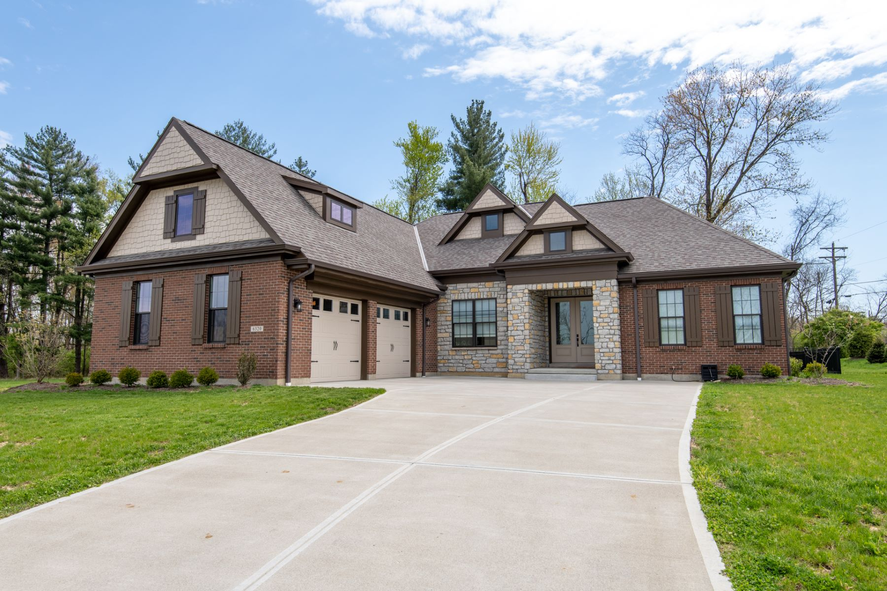 Single Family Homes 为 销售 在 6320 Evergreen Lane, Loveland, OH 45140 6320 Evergreen Lane Loveland, 俄亥俄州 45140 美国