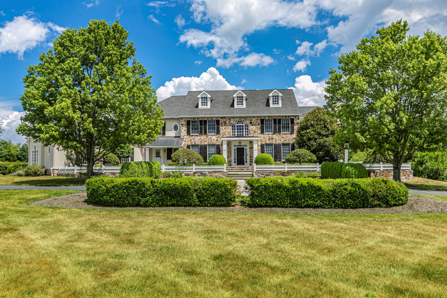 Single Family Homes للـ Sale في As Pretty & Restful As A Martha's Vineyard Estate 4 Benson Lane, Skillman, New Jersey 08558 United States