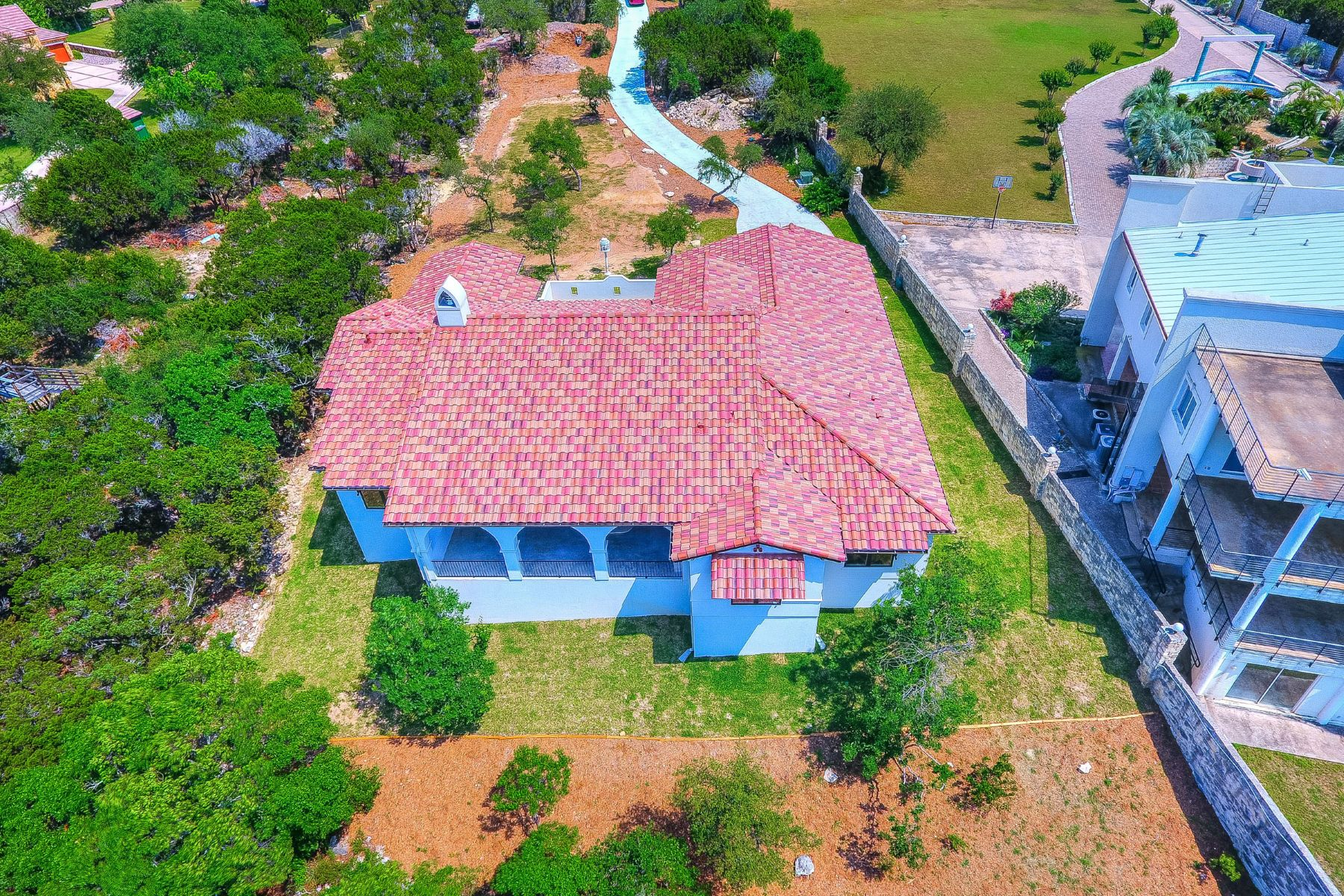 Additional photo for property listing at Single Story Waterfront Home 8408 Lime Creek Rd Leander, Texas 78641 United States
