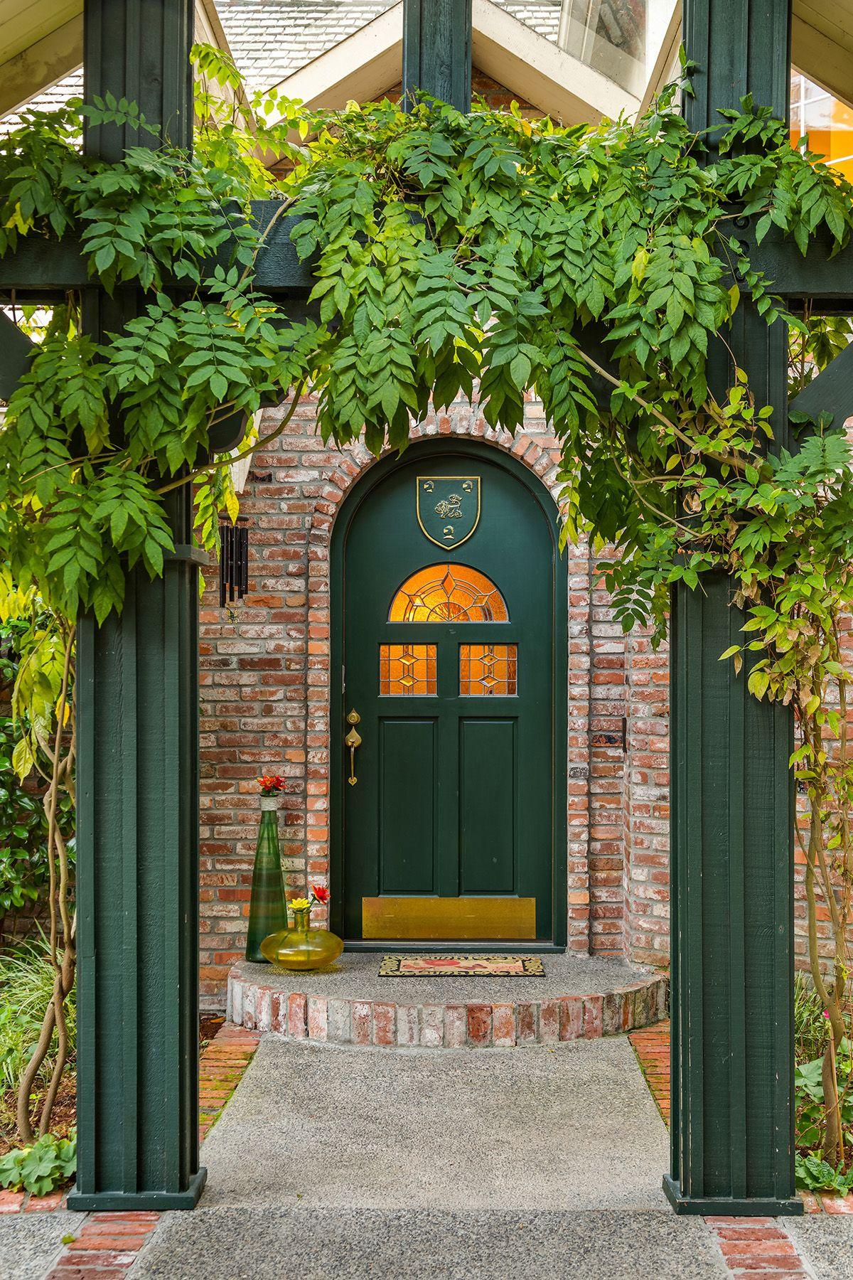 Single Family Homes for Sale at Legendary Art of Living 3325 126th Ave NE, Bellevue, Washington 98005 United States