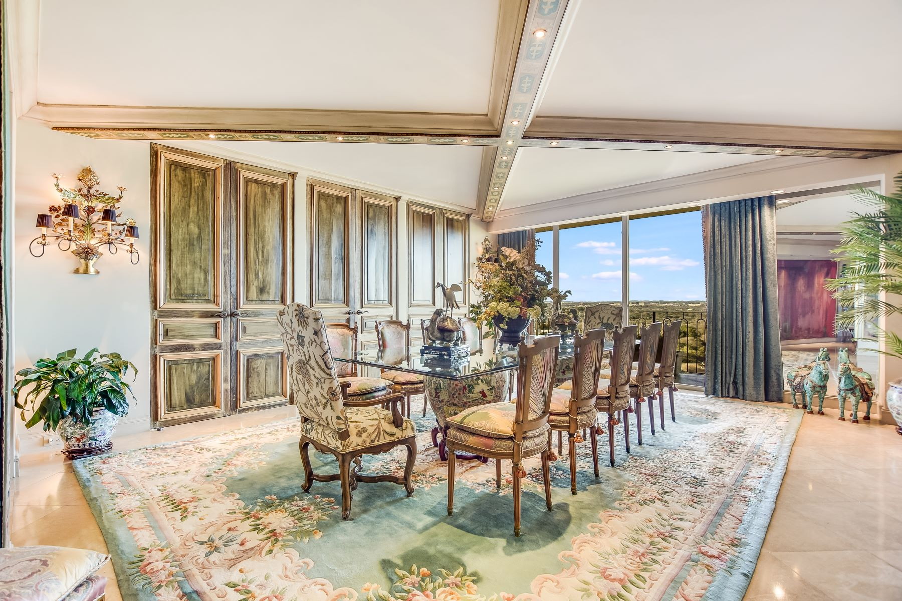 Condominiums for Sale at Magnificent City Views From 14th Floor 700 East Hildebrand Avenue, San Antonio, Texas 78212 United States