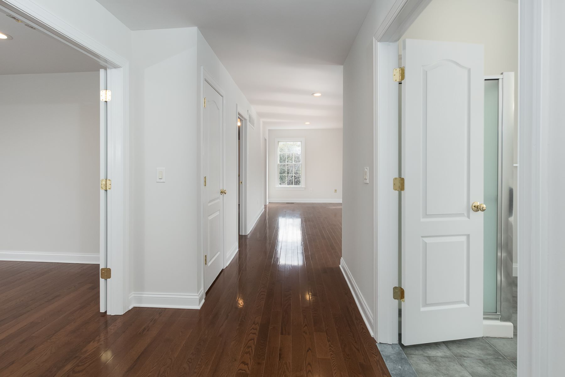 Additional photo for property listing at Completely Refreshed In Hopewell Hunt 6 Morris Drive, Princeton, New Jersey 08540 United States