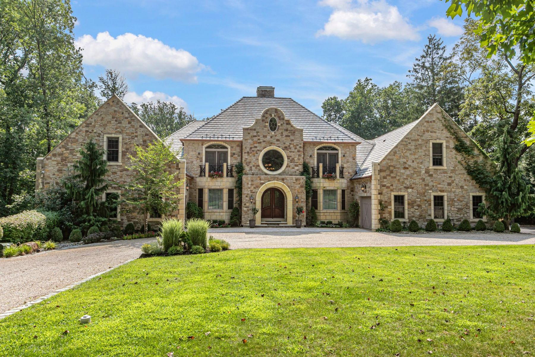 Property のために 売買 アット Classic Princeton Estate on Three Acres 218 Drakes Corner Road, Princeton, ニュージャージー 08540 アメリカ
