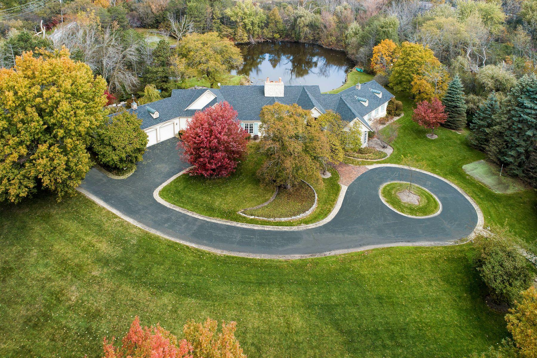 Single Family Homes für Verkauf beim Artfully Designed Bannockburn Home 1963 Wilmot Road, Bannockburn, Illinois 60015 Vereinigte Staaten