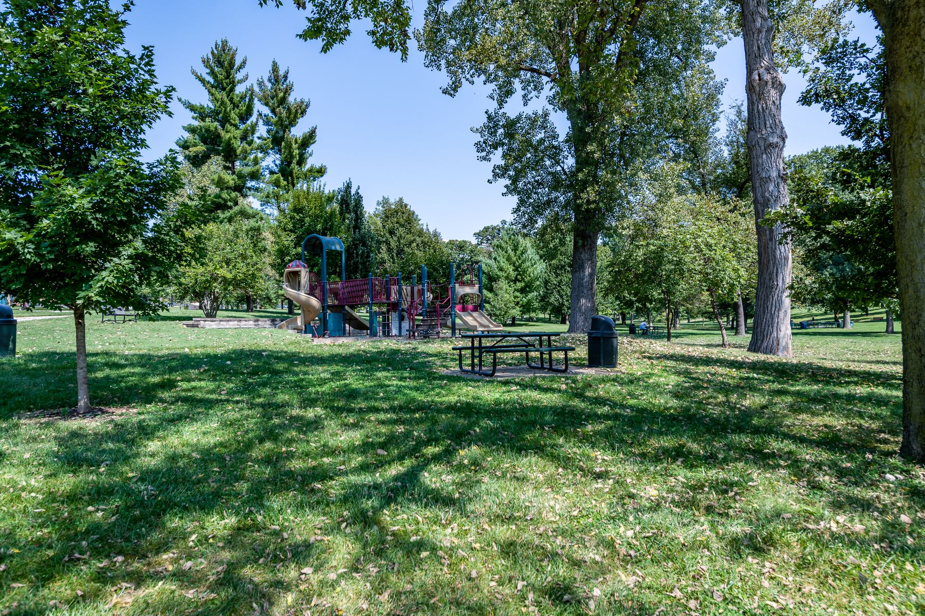 Additional photo for property listing at Luxury Park Adjacent Condo 8253 Parkside Drive #1A St. Louis, Missouri 63105 United States
