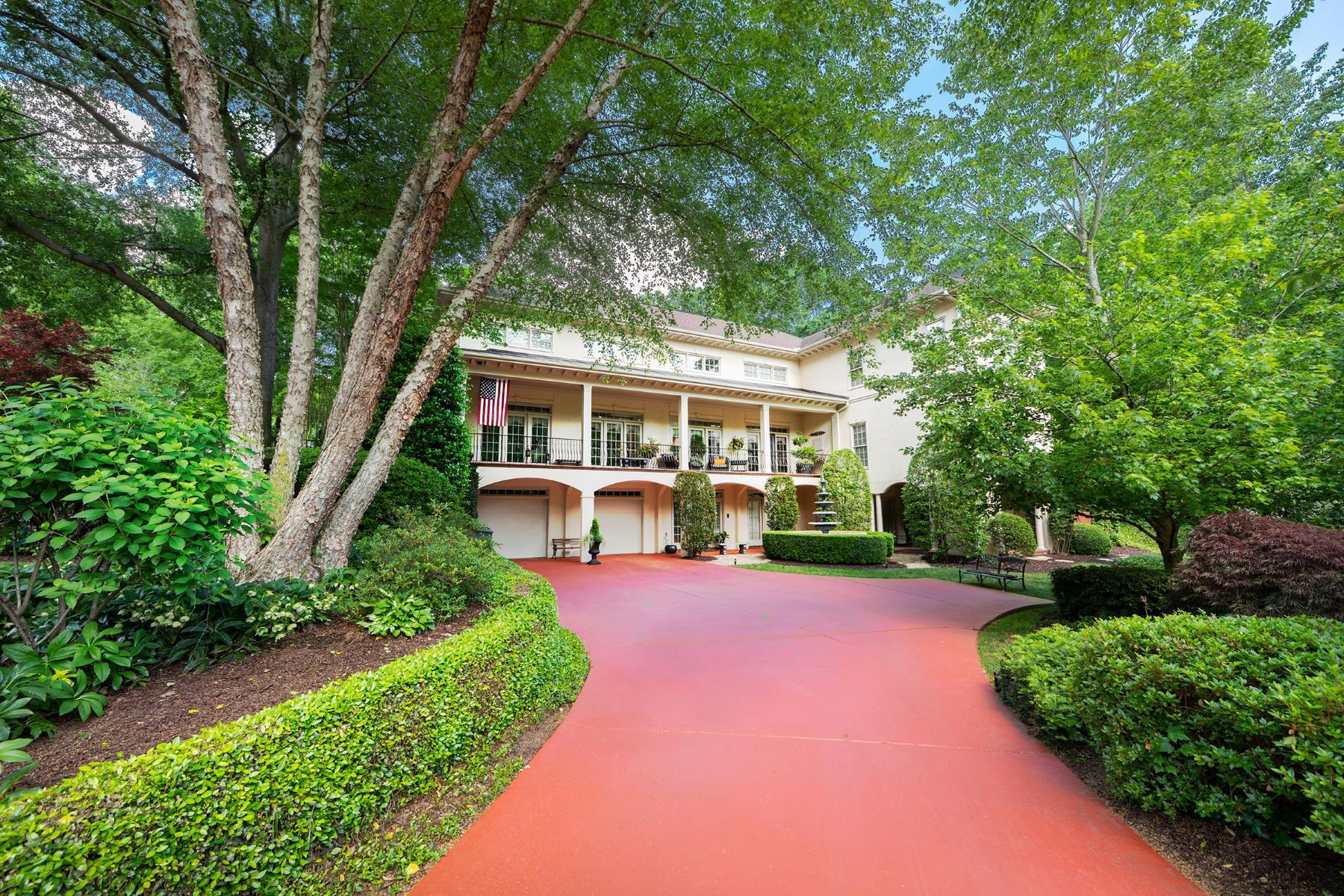 Single Family Homes for Sale at 27 Landsdown Avenue, Greenville, SC 29601 27 Landsdown Avenue Greenville, South Carolina 29601 United States