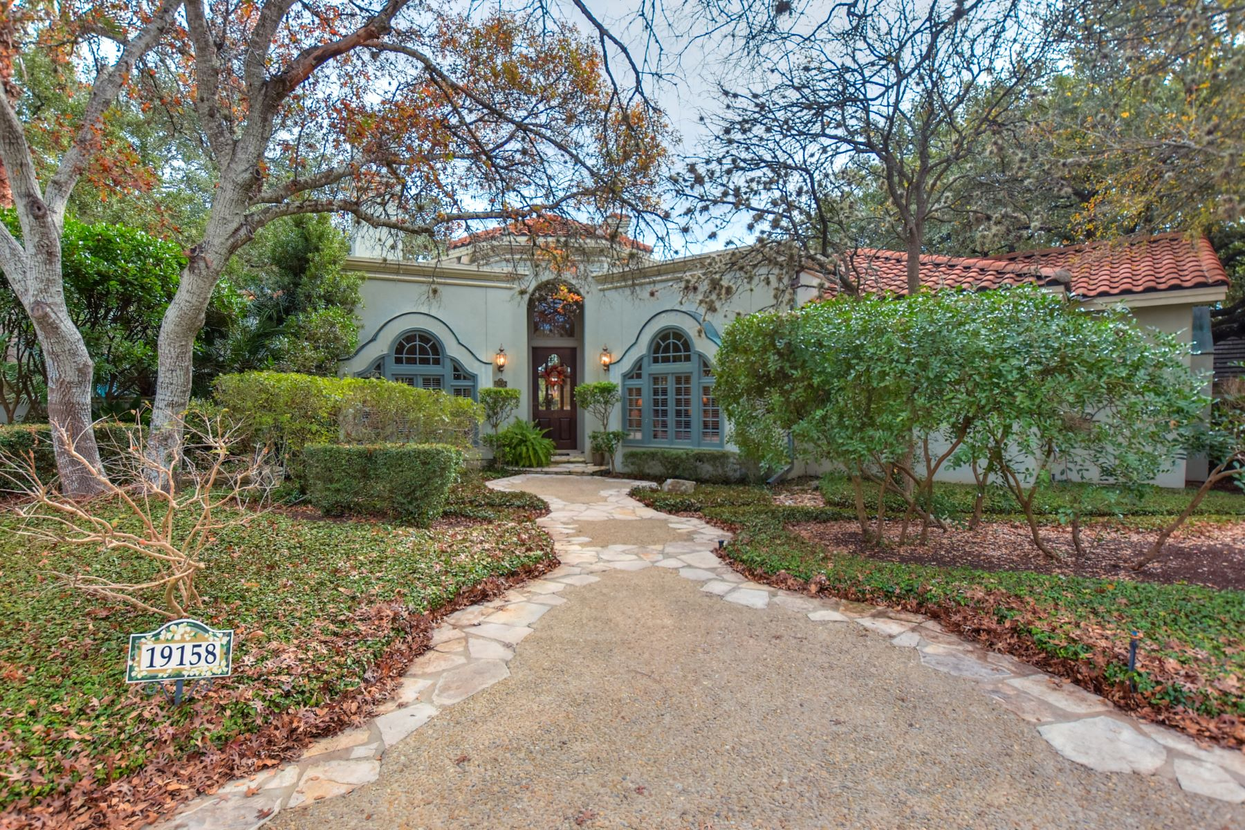 Single Family Home for Sale at Stunning Sonterra Golf Course Home 19158 Kristen Way San Antonio, Texas 78258 United States