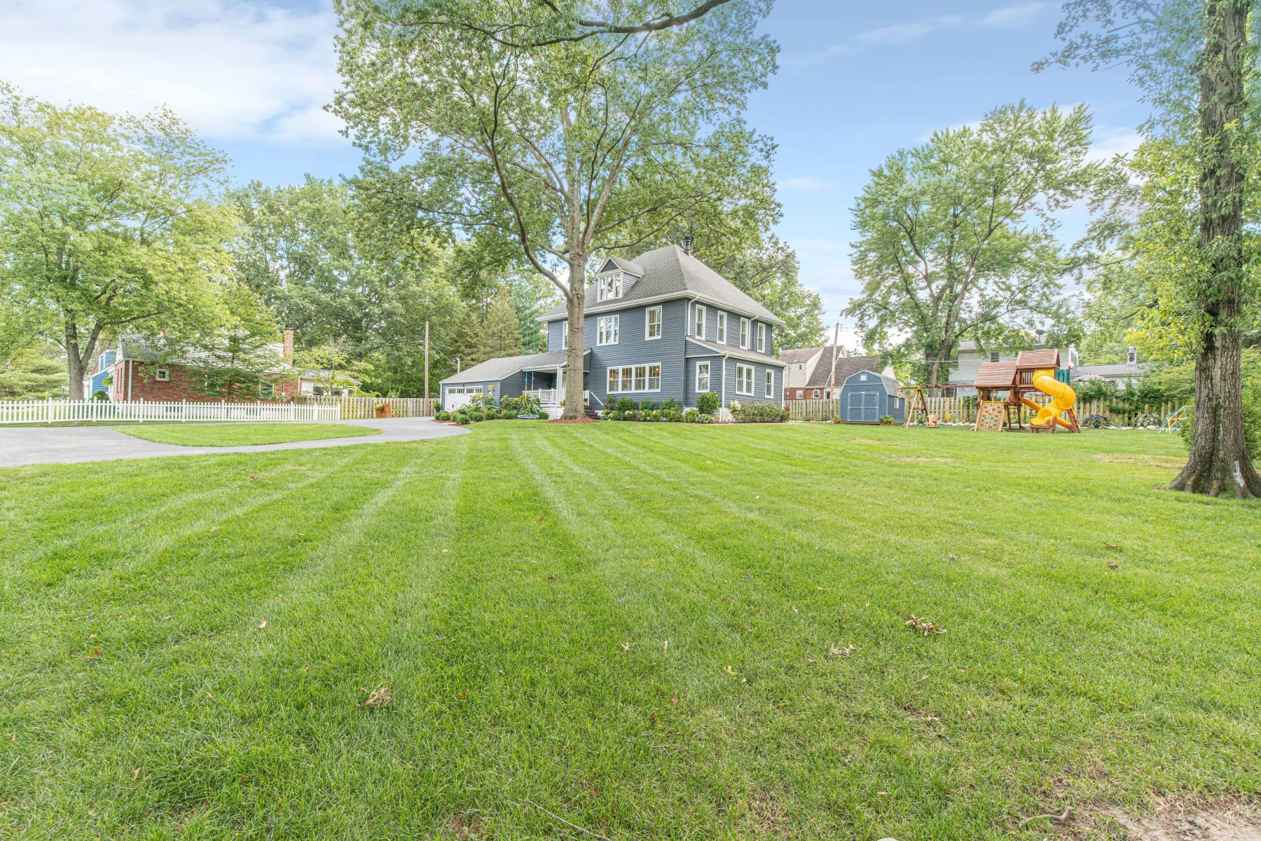 Single Family Homes for Sale at Designer renovated farmhouse on over 1/2 acre in Glendale! 808 East Essex Avenue Glendale, Missouri 63122 United States