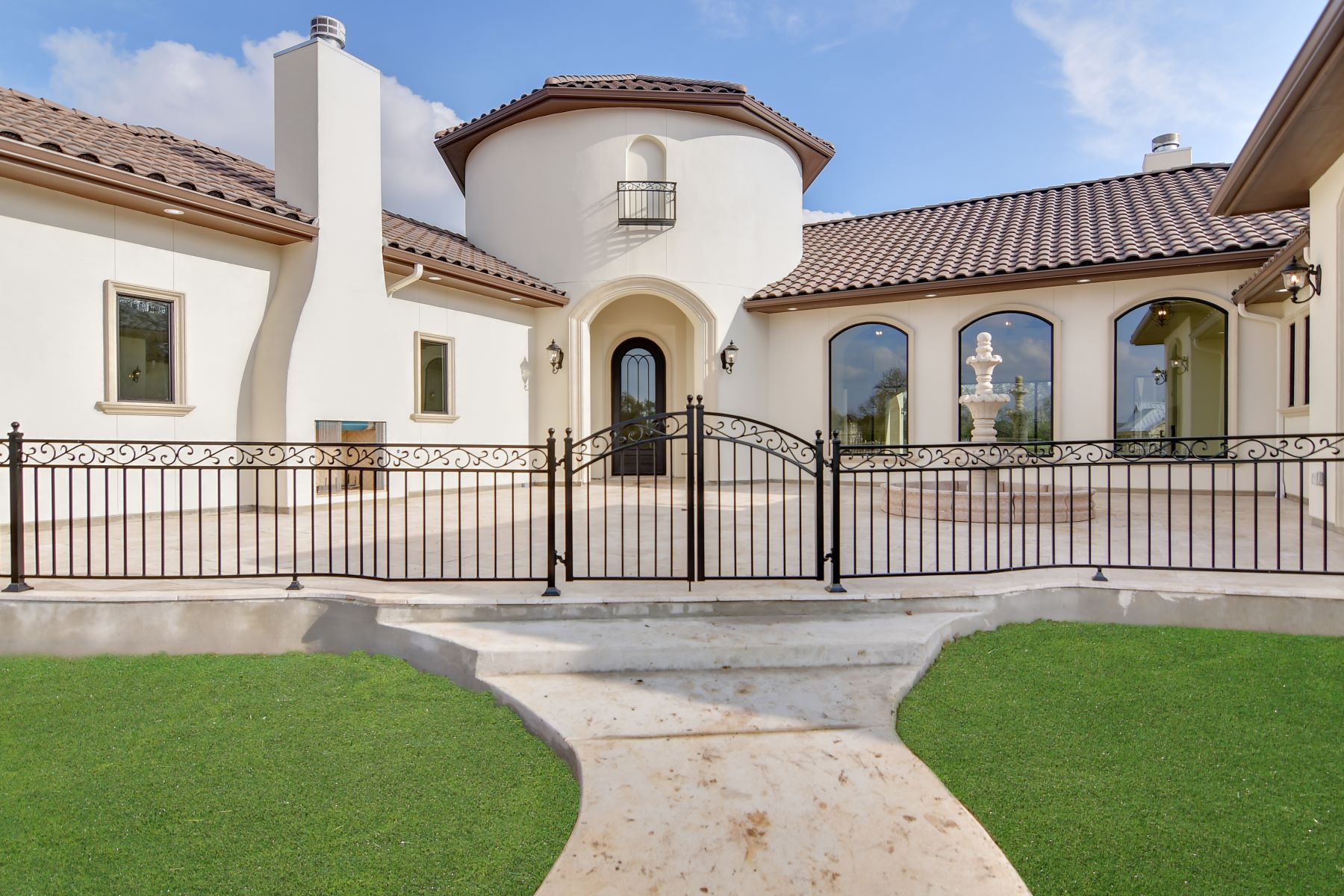 Single Family Homes for Sale at Luxury Living in Vintage Oaks 491 Curvatura New Braunfels, Texas 78132 United States
